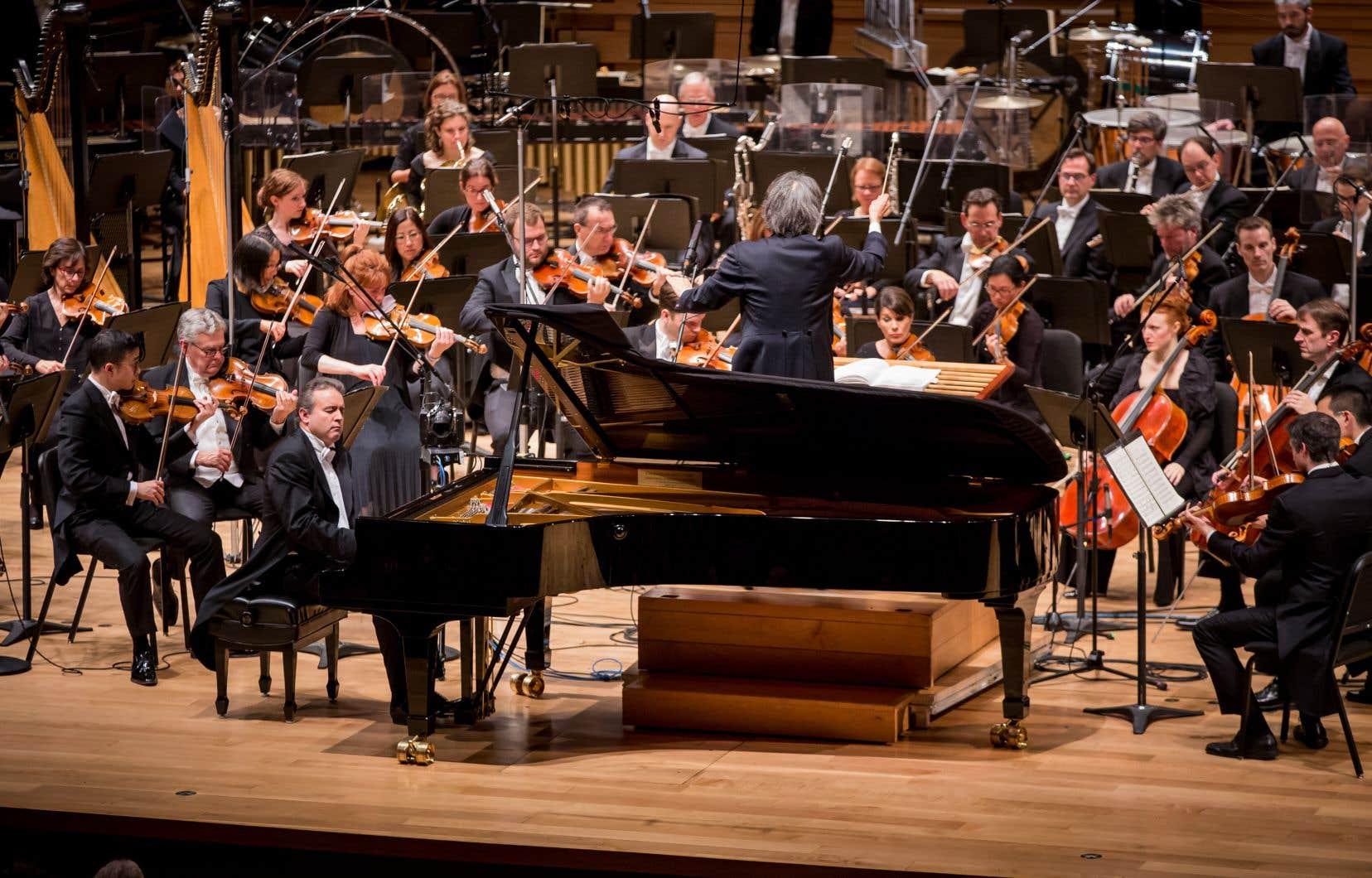 Kent Nagano dirige Rachmaninov et Adams.<br />