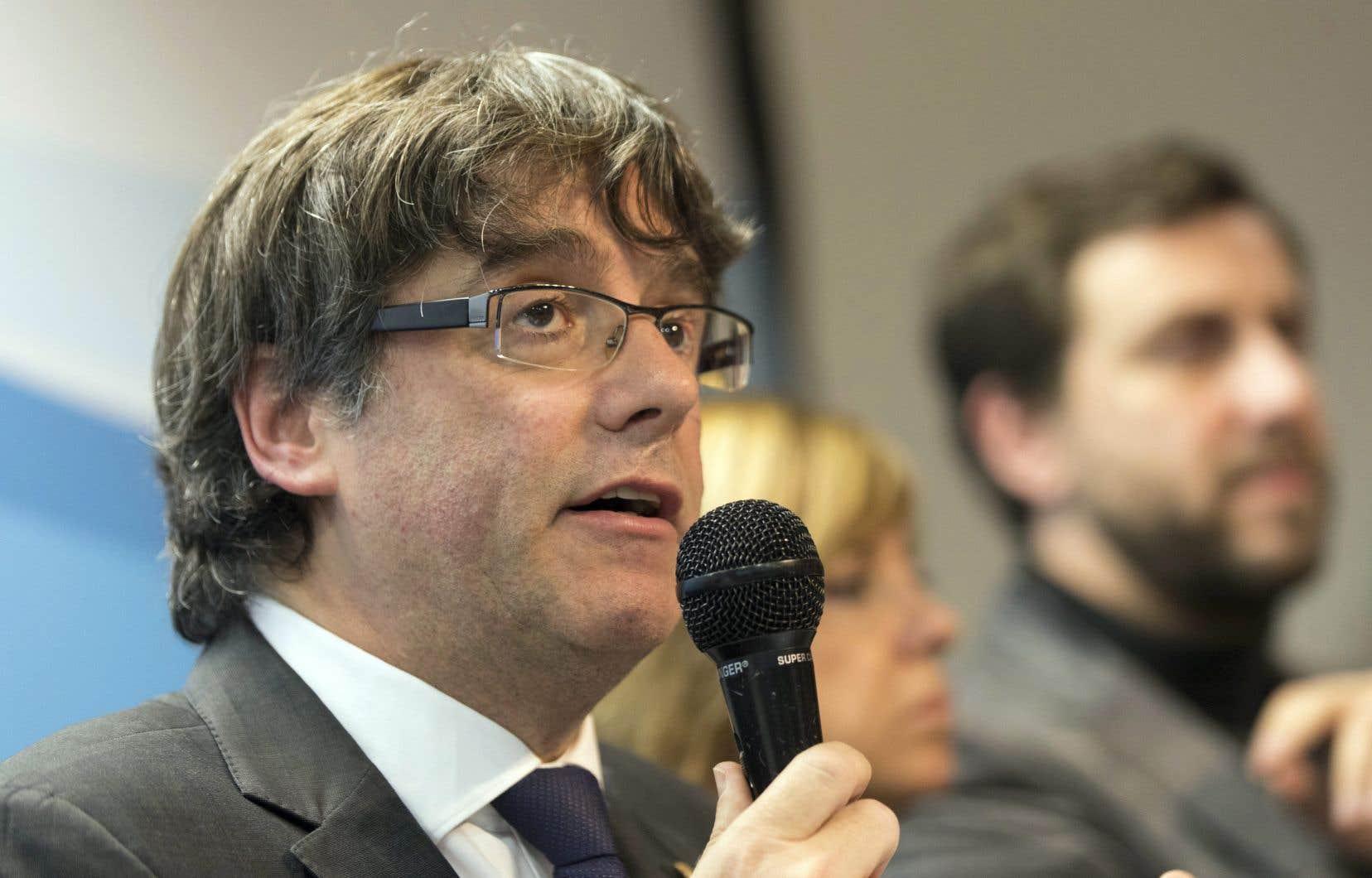 Le président destitué de la Catalogne, Carles Puigdemont, s'est adressé aux journalistes dans une conférence de presse à Bruxelles, mardi dernier