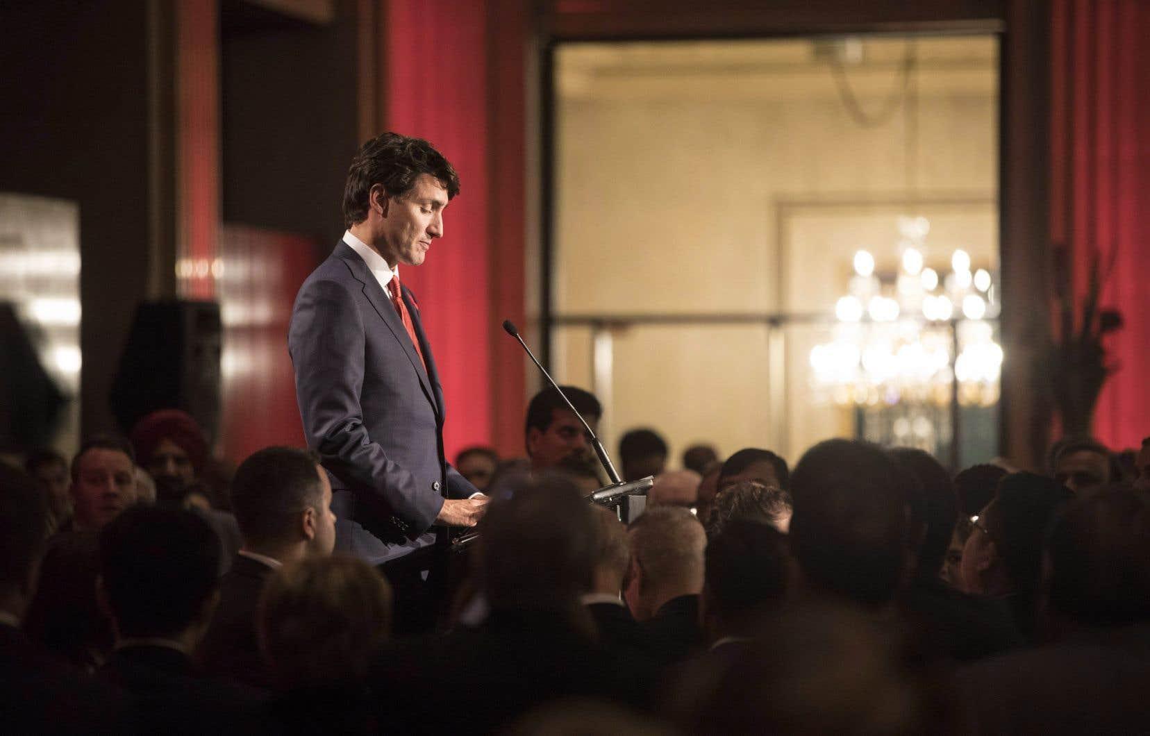 Justin Trudeau mettra fin à sa mission aux Philippines où il assistera au 31eSommet de l'Association des nations de l'Asie du Sud-Est, à Manille.