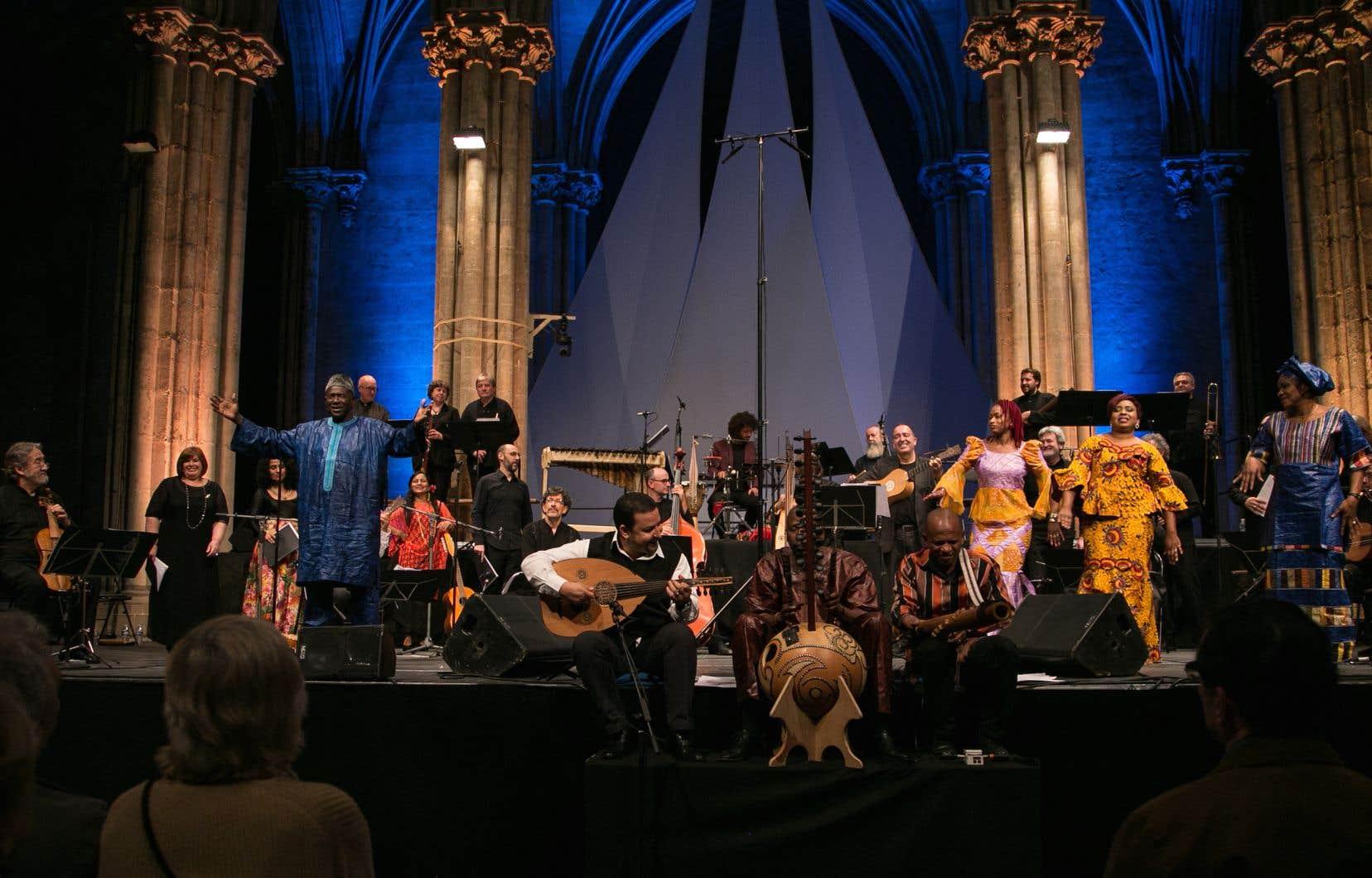 Le musicien catalan Jordi Savall (à l'avant-plan, à gauche)