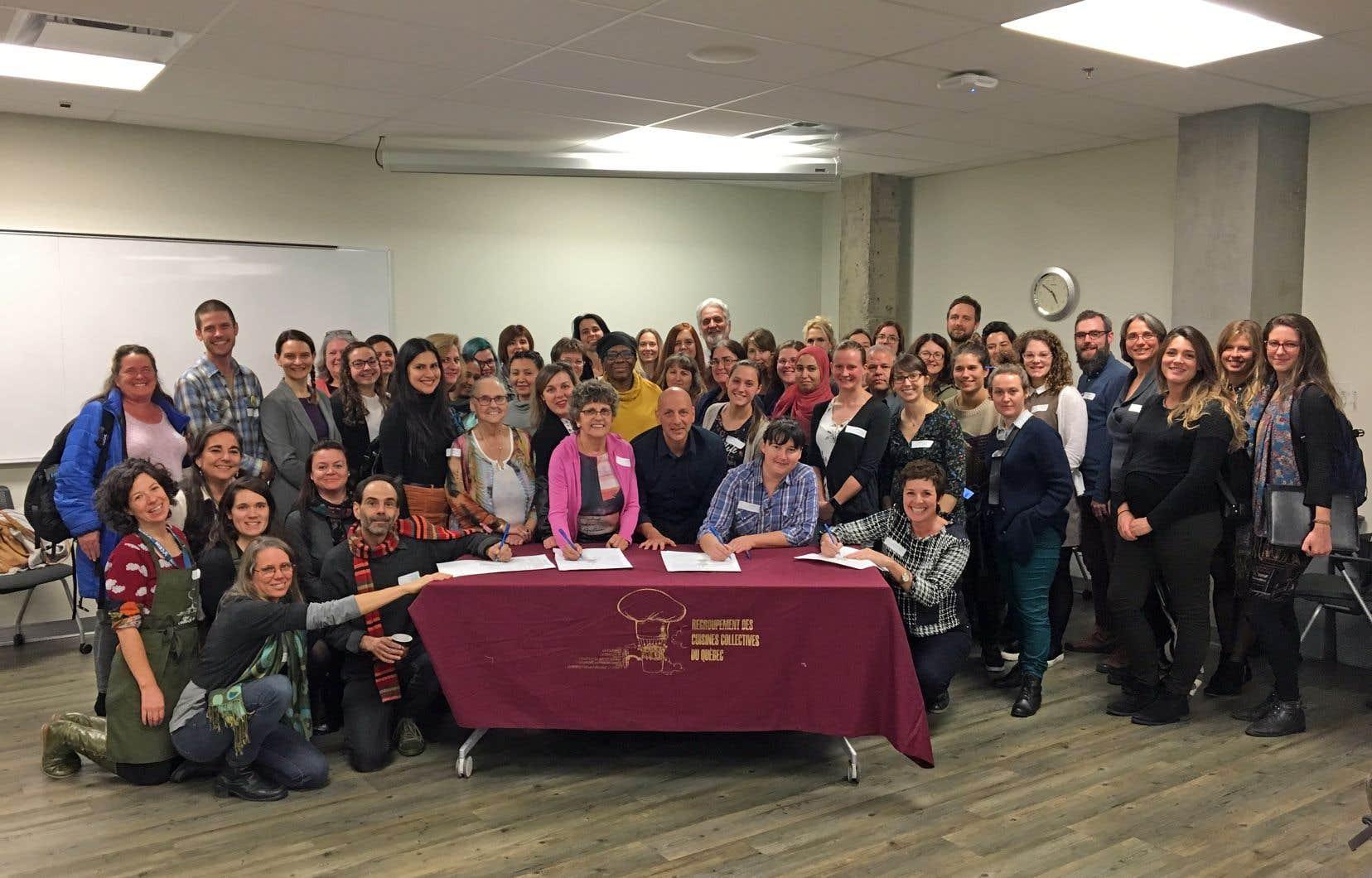 Les participants au premier symposium Montréal cuisine! (2 novembre) ont pu signer la Déclaration pour le droit à une saine alimentation au Québec.
