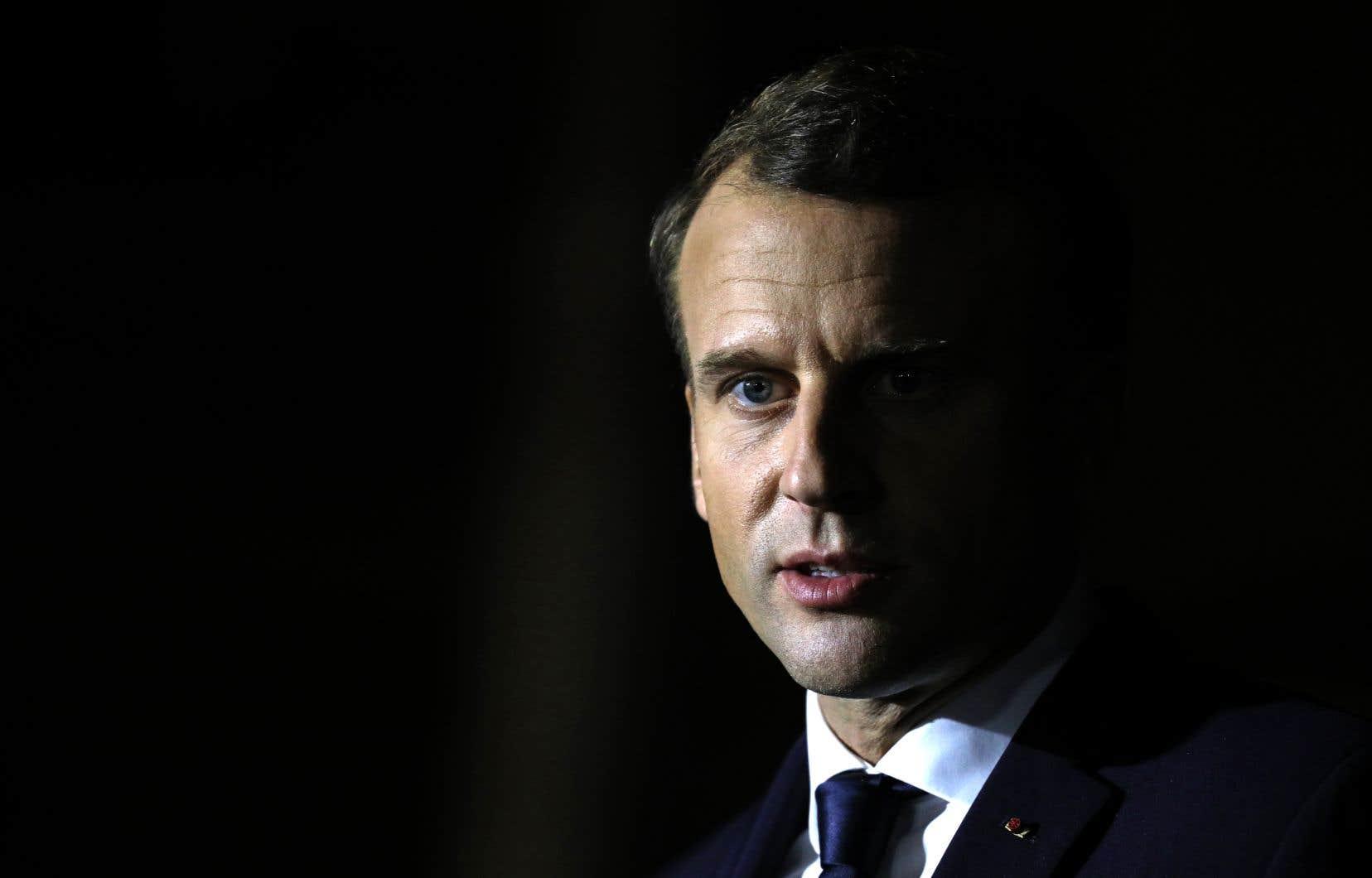 L'affaire tombe mal pour le président français Emmanuel Macron, qui a besoin d'une base solide au moment d'affronter des syndicats en colère contre ses réformes.