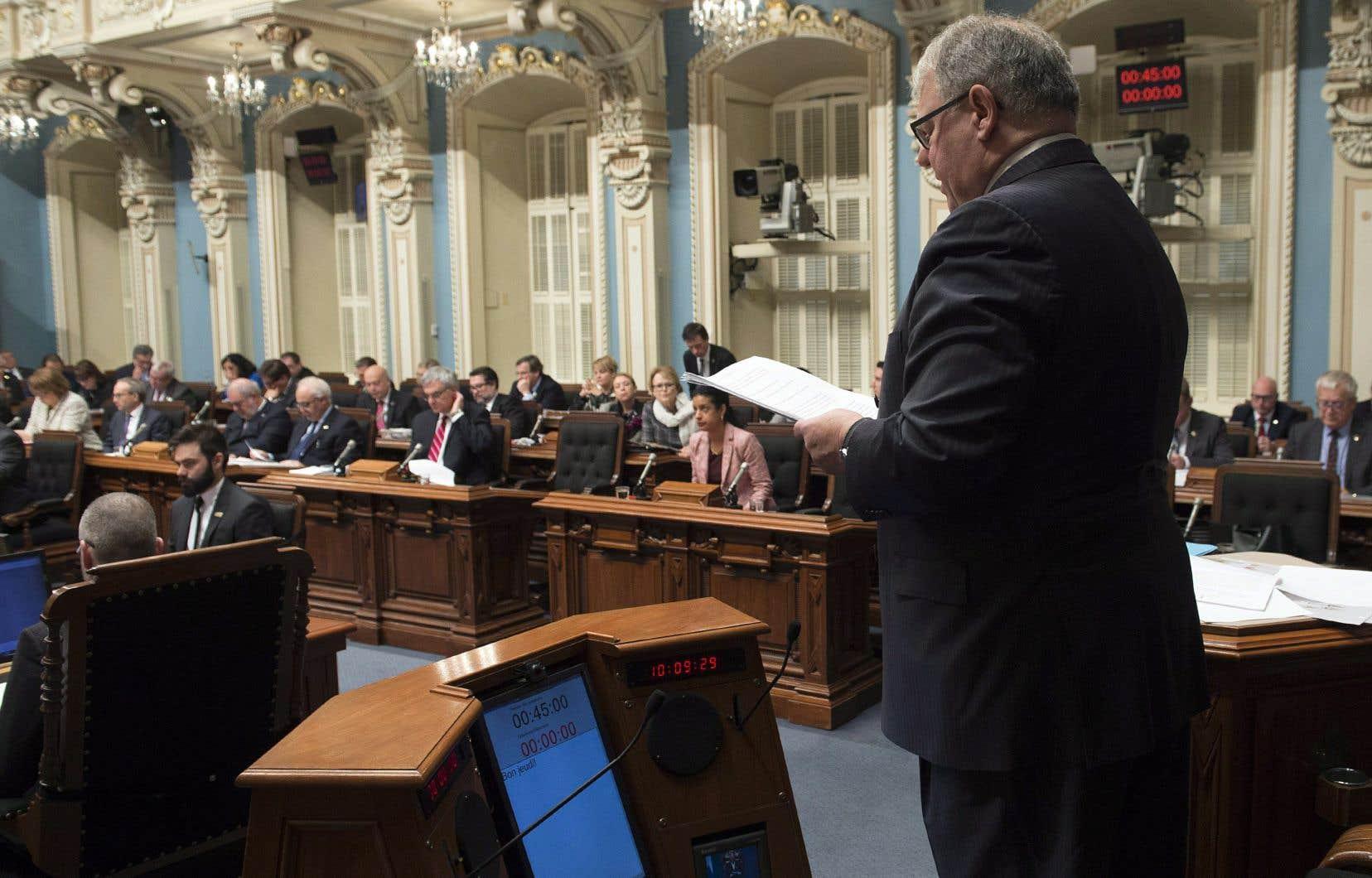 Le président de l'Assemblée nationale, Jacques Chagnon, a longuement répondu, jeudi, aux questions que lui adressait le Parti québécois dans la foulée de l'arrestation du député libéral indépendant Guy Ouellette.