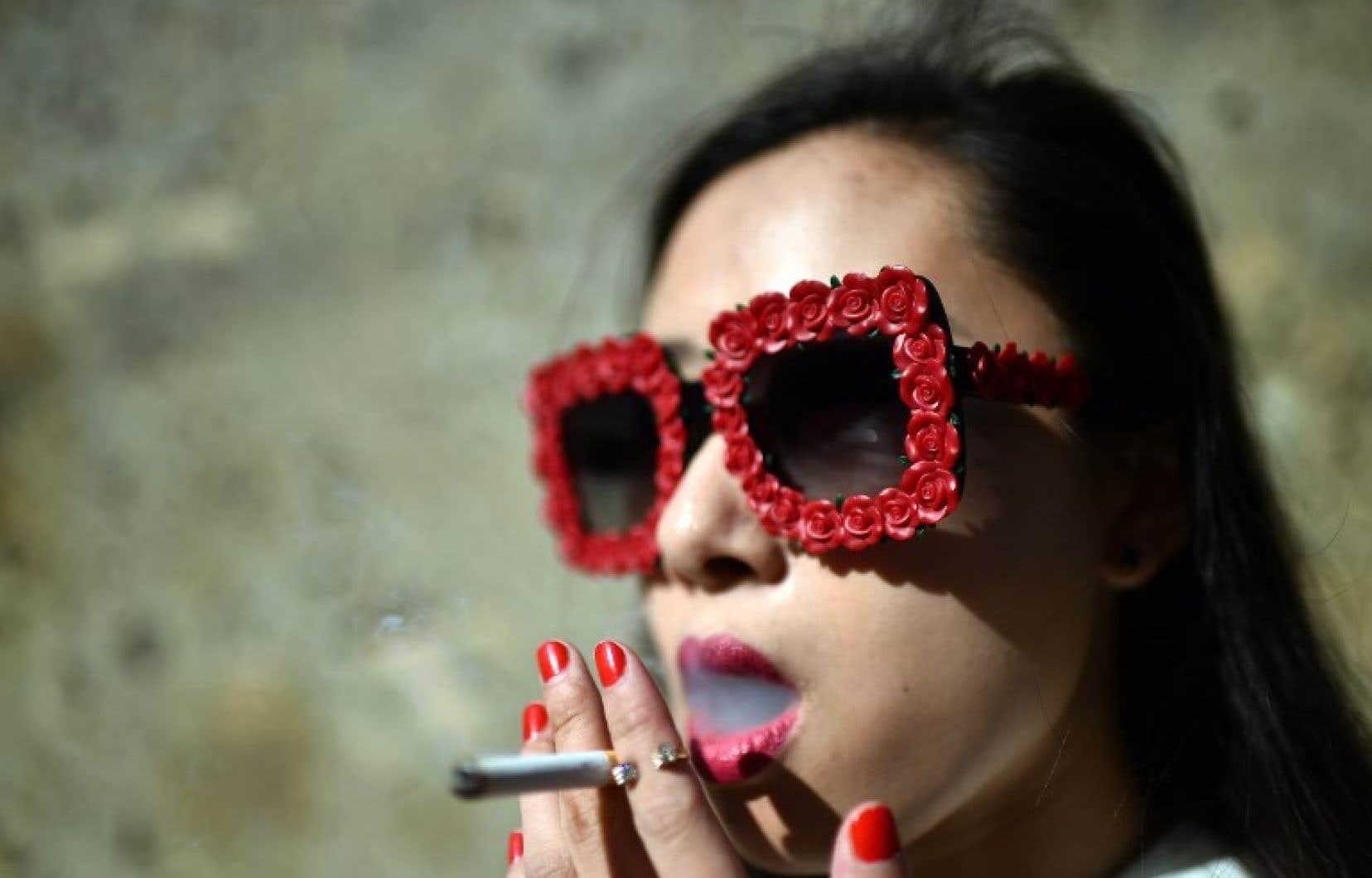 70 % des nouveaux films français mettent à l'image au moins une fois une personne qui fume.