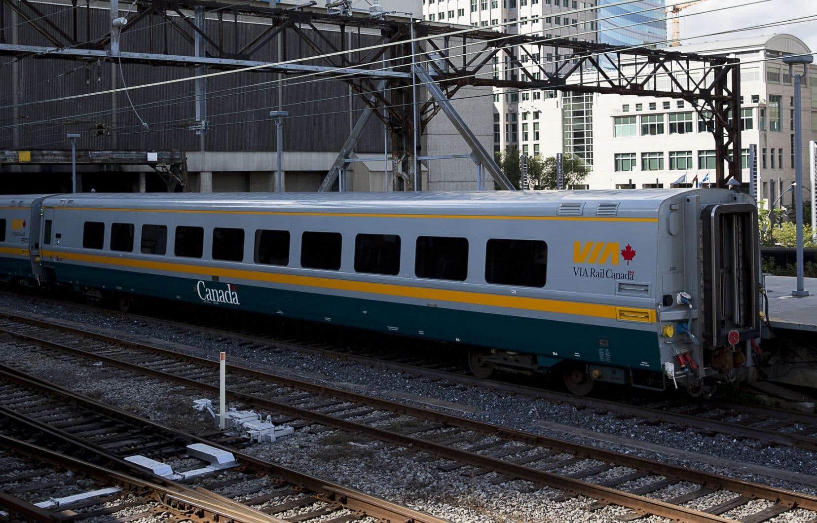 111 wagons et locomotivesdevront être remplacés graduellement à compter de 2018, et ce, jusqu'en 2024.