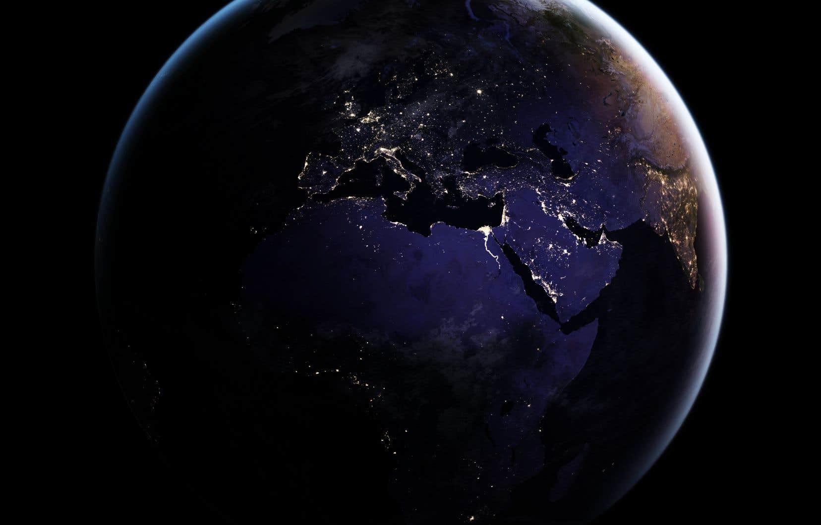 Plus de 80% de l'humanité vit sous des cieux inondés de lumière artificielle, et un tiers de la population de la planète ne peut jamais voir la Voie lactée.
