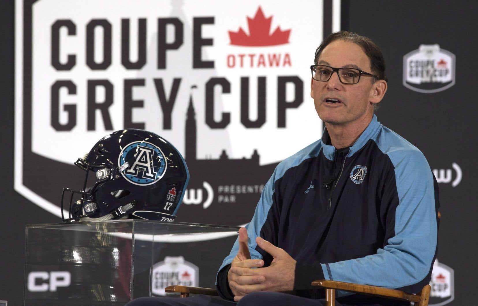 L'ancien entraîneur-chef des Alouettes de Montréal Marc Trestman, actuellement avec les Argonauts de Toronto, lors d'une conférence de presse à Ottawa, mercredi