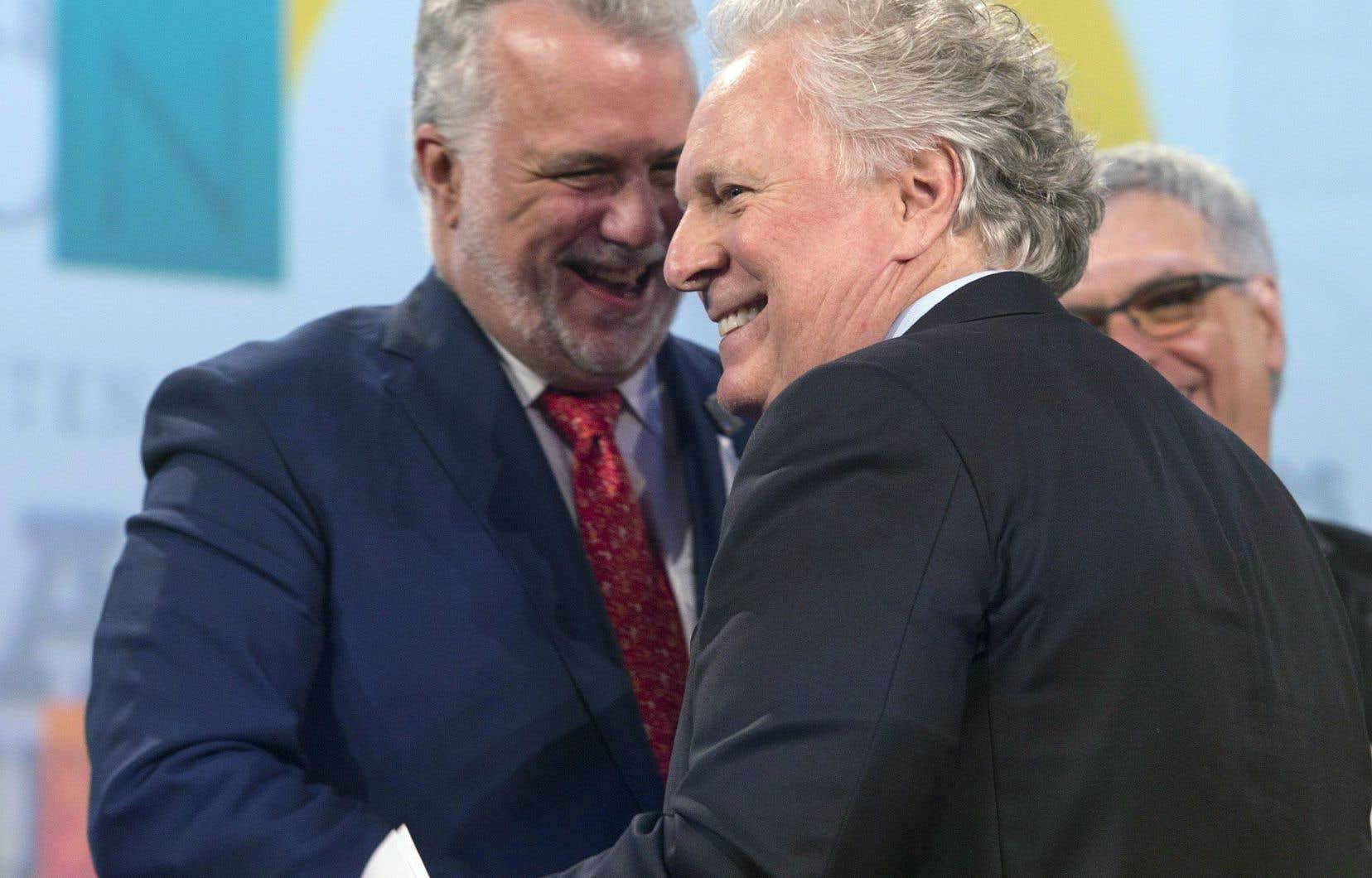 Le congrès du Parti libéral du Québec a été marqué par la présence, samedi, de l'ancien premier ministre Jean Charest. Celui-ci a rendu hommage à son successeur, Philippe Couillard, lors des célébrations soulignant les 150 ans d'existence du parti.