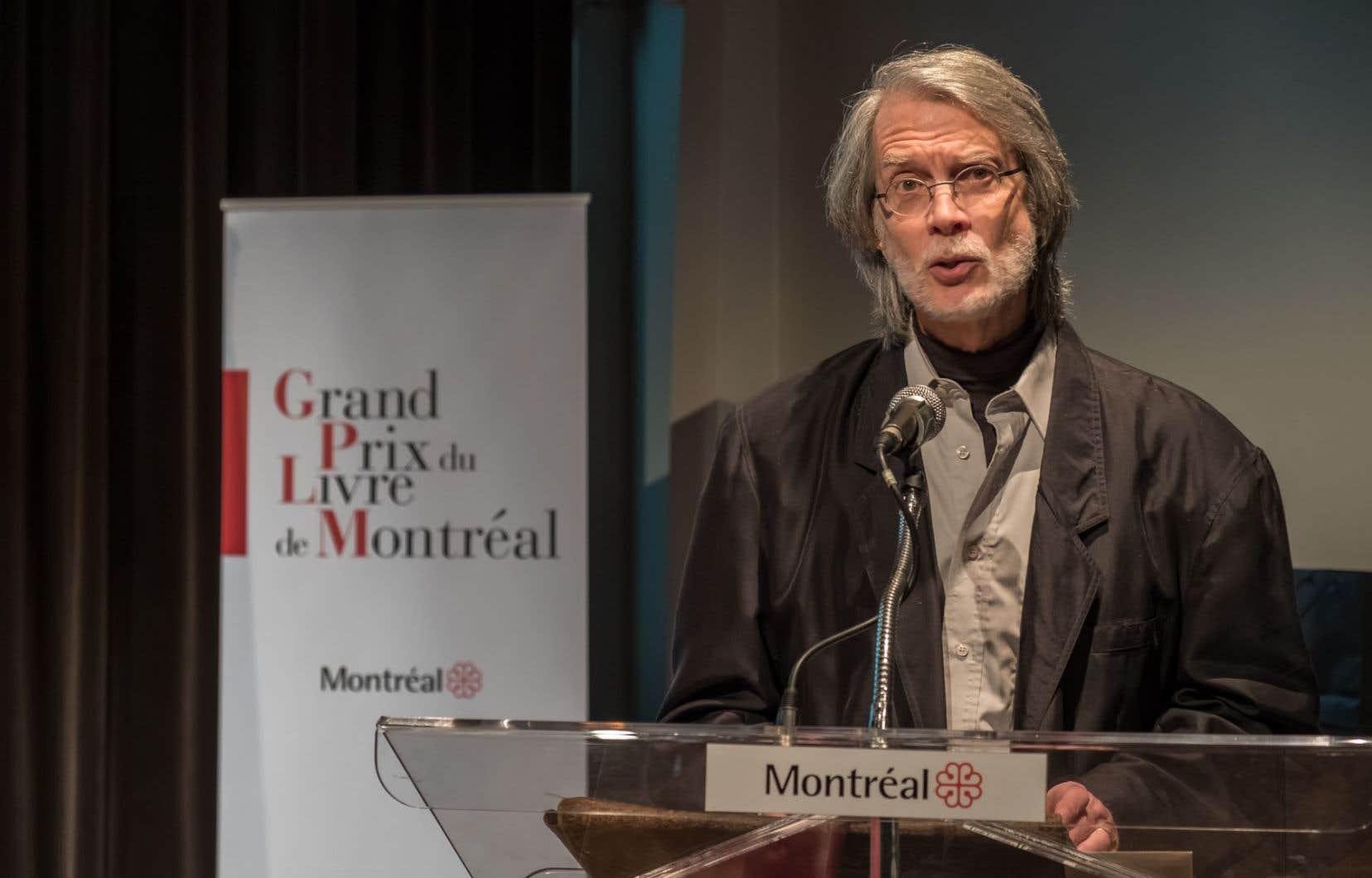 René Lapierre a accepté l'honneur qui lui était fait, mais ce n'est pas parce qu'il a occupé le devant de la scène pour un instant qu'il allait se plier aux exigences du jeu médiatique.