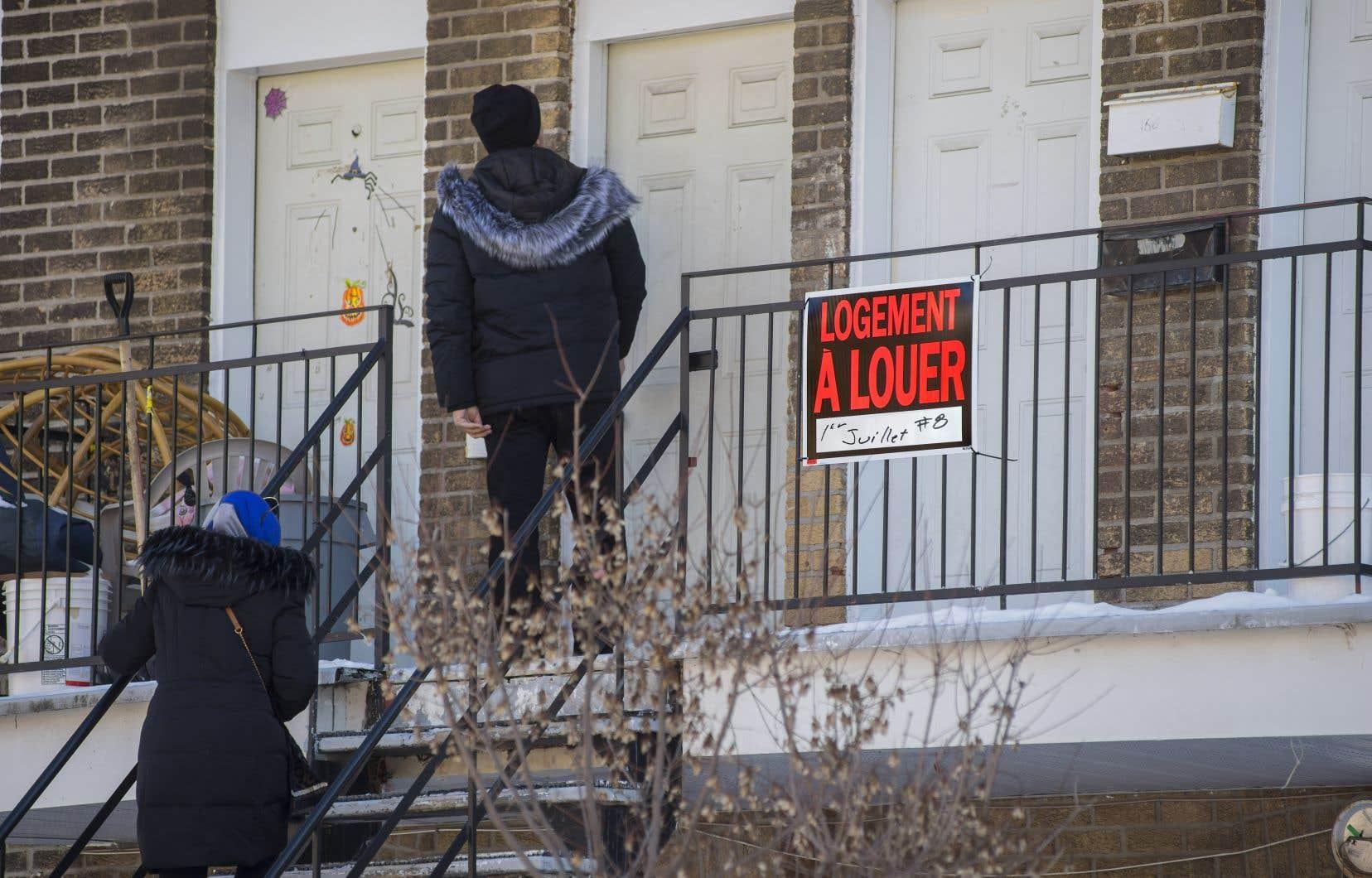 Entre 2011 et 2016, les frais de logement mensuels des résidants de l'île de Montréal ont augmenté en moyenne de 12,3% pour les locataires, et de 13,1% pour les propriétaires.