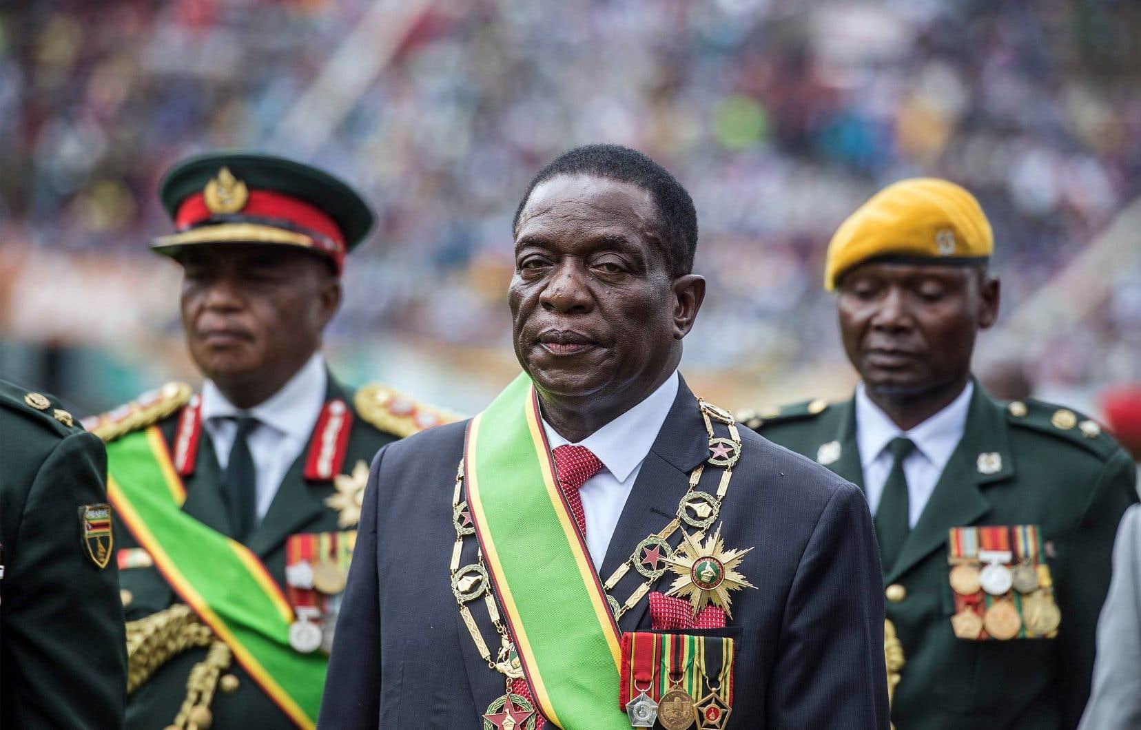 Le nouveau président zimbabwéen,Emmerson Mnangagwa, a nommé des militaires à des postes clés, mais pas de membres de l'opposition.