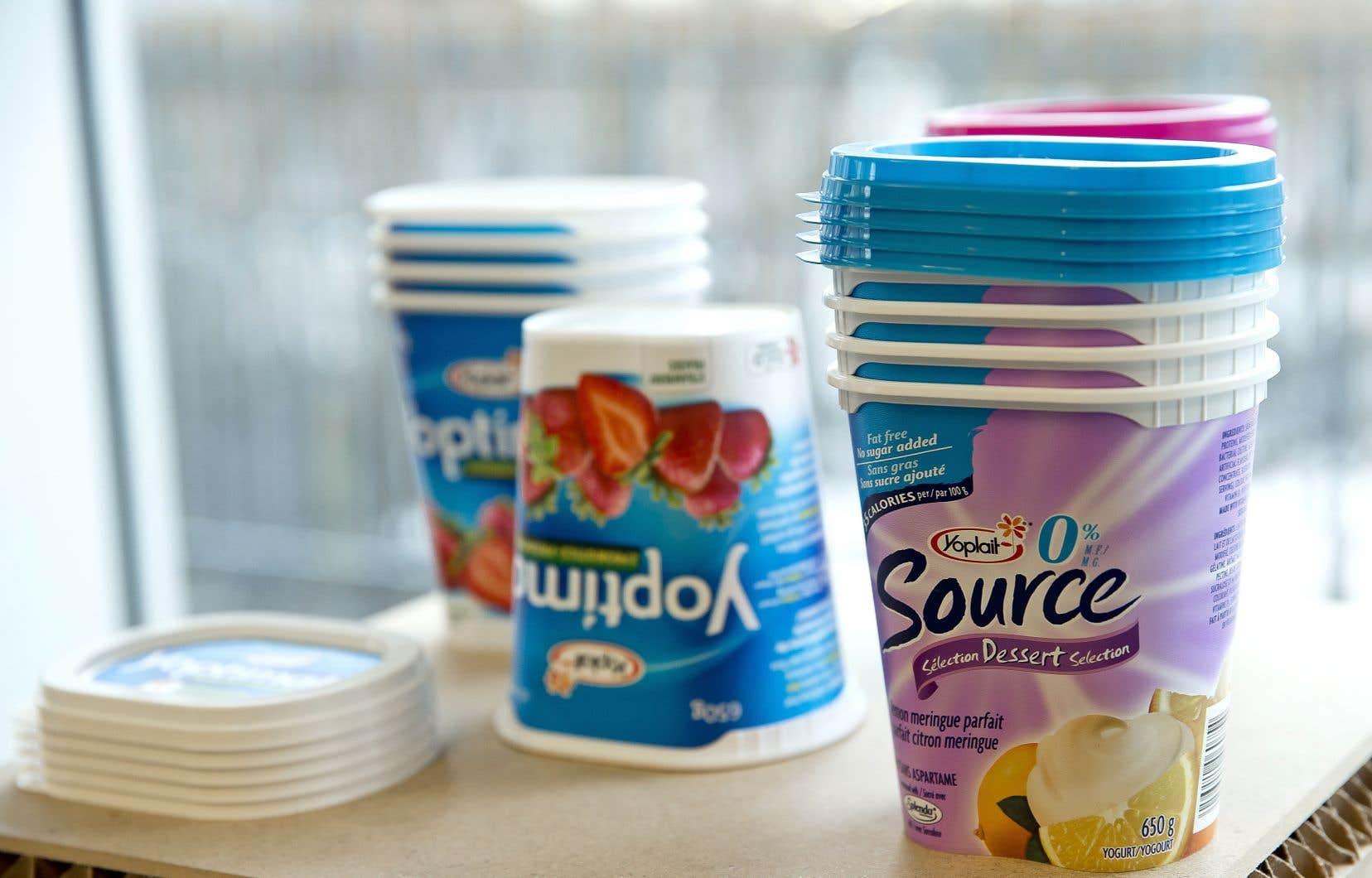 En 2009, Aliments Ultima bouscule les codes dans le secteur de l'emballage grâce à un pot de yogourt révolutionnaire — oblongue plutôt que rond — conçu par Michel Dallaire.