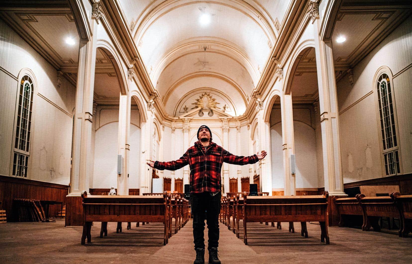 Le musicien Pierre-Philippe Côté, appelé «Pilou», vient tout juste d'acquérir l'église du village de Saint-Adrien pour en faire un lieu où pourront se croiser les mondes.