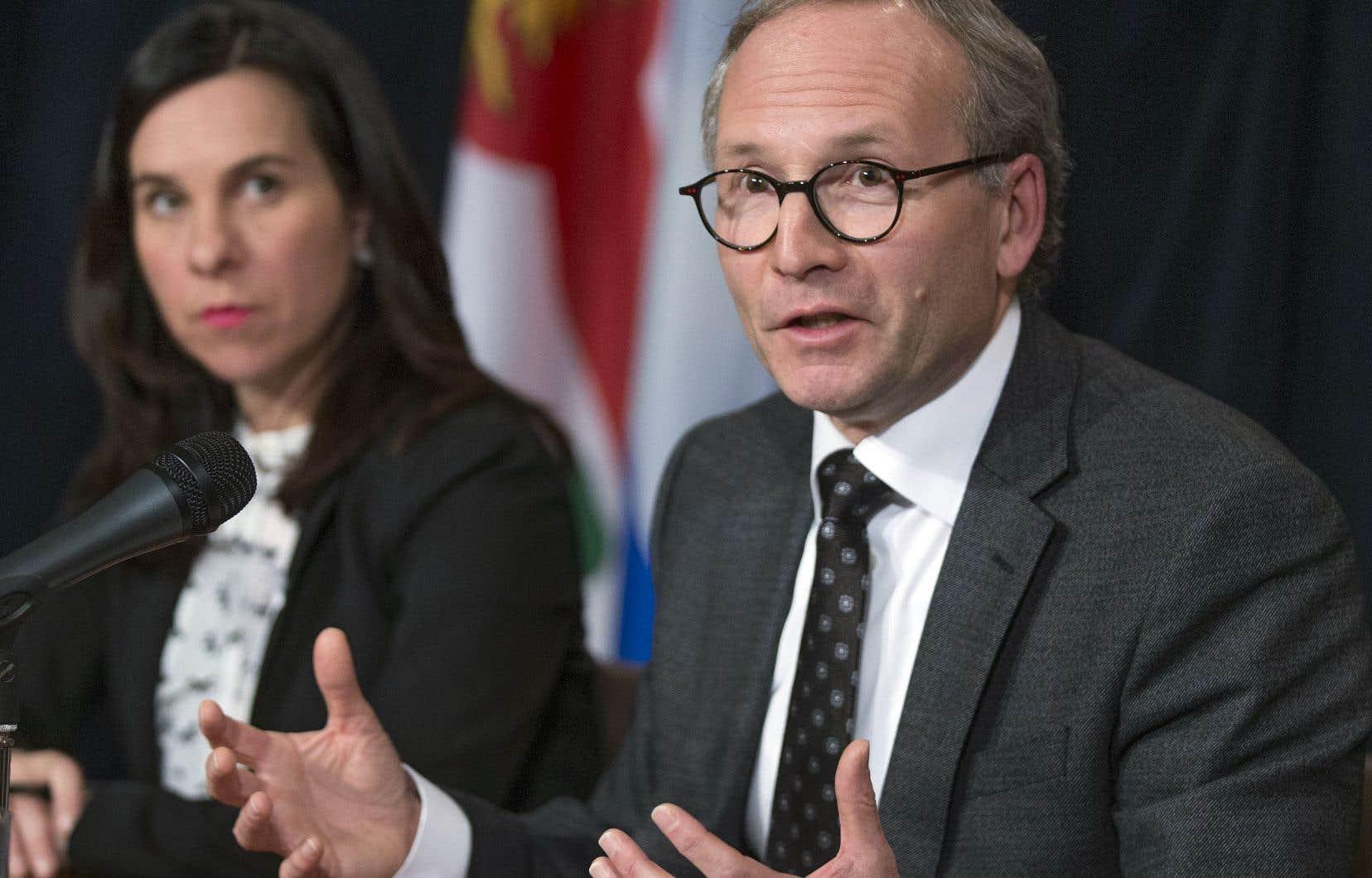 Le ministre de la Sécurité publique, Martin Coiteux, a expliqué qu'il n'avait guère d'autre choix que de suspendre son directeur, Philippe Pichet.
