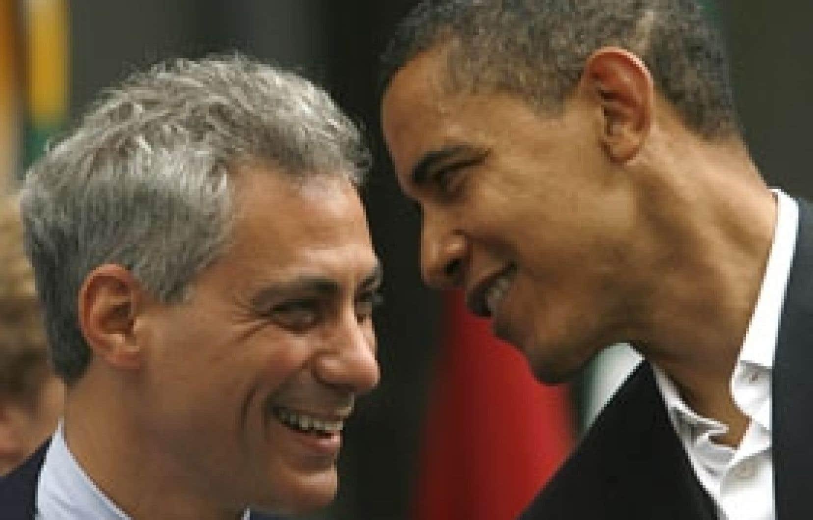 Le prochain secrétaire général de la Maison-Blanche, Rahm Emanuel, en compagnie de Barack Obama. «La priorité numéro un est l'économie», a renchéri Emanuel sur la chaîne ABC.