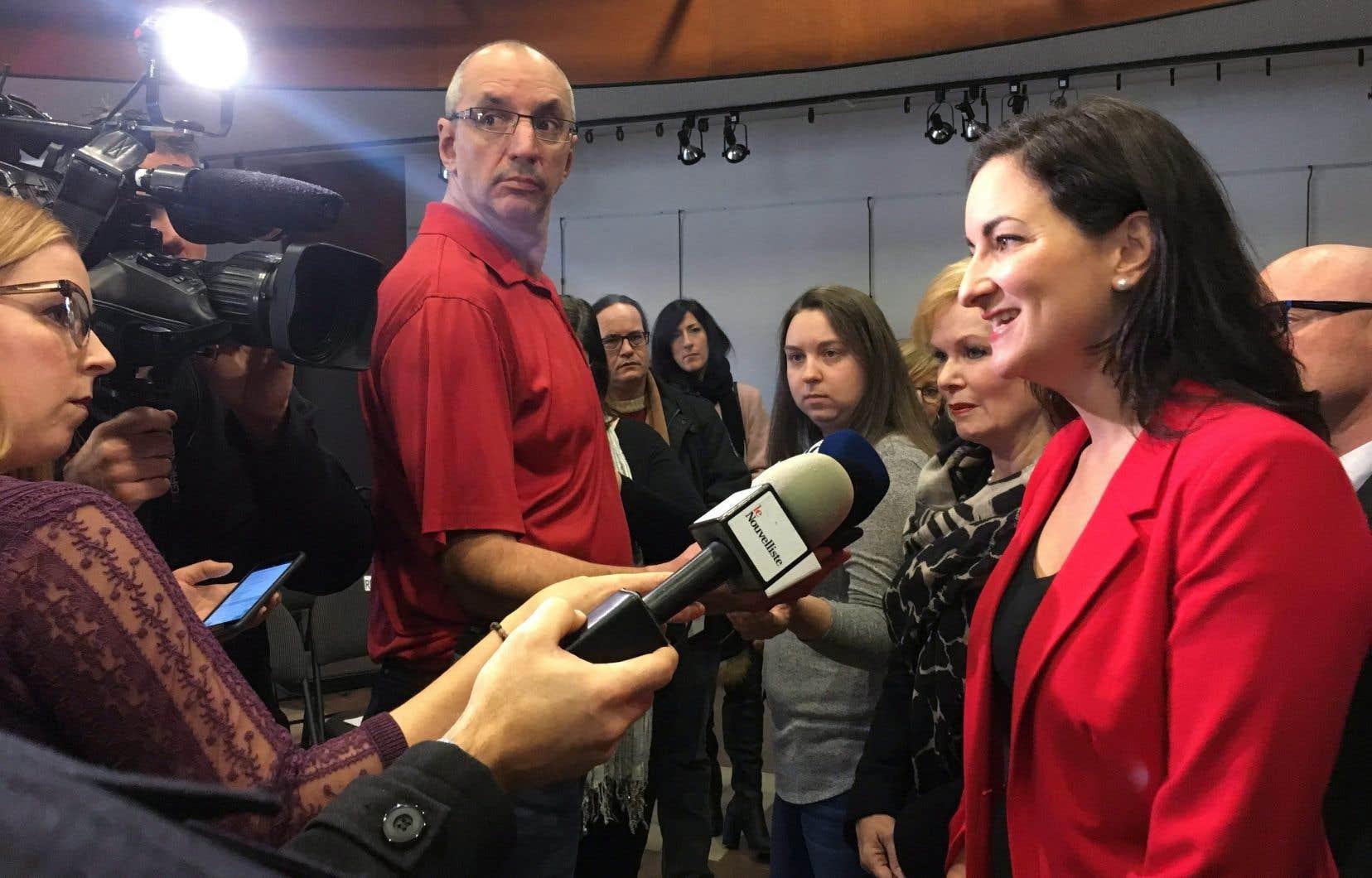 «J'ai réitéré une demande pour avoir accès au contenu de l'entente et à ce stade-ci, on n'y a toujours pas accès, pas plus qu'à ce qui serait réservé à la production francophone», a dit la ministre Marie Montpetit.