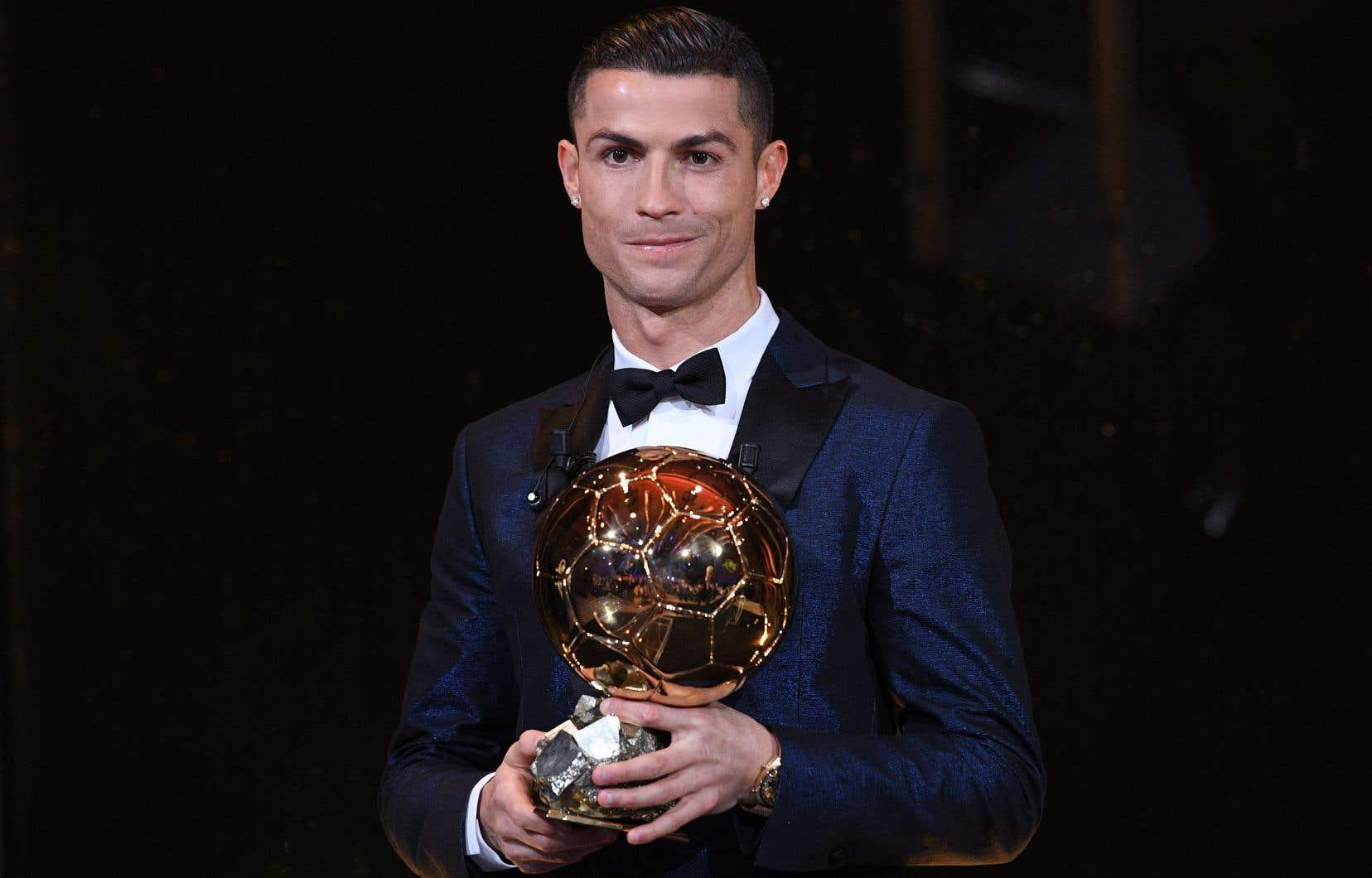 Un cinquième Ballon d'Or pour Cristiano Ronaldo | Le Devoir