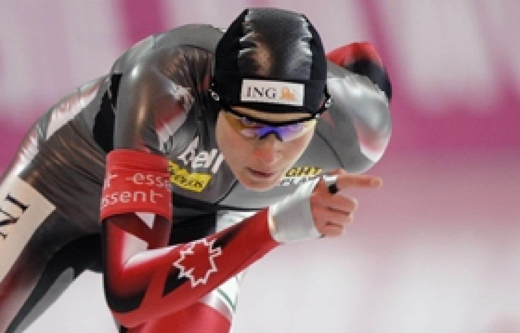 La Canadienne Kristina Groves a franchi la distance de 1500 m en 1 min 57 s 65, hier à Berlin.