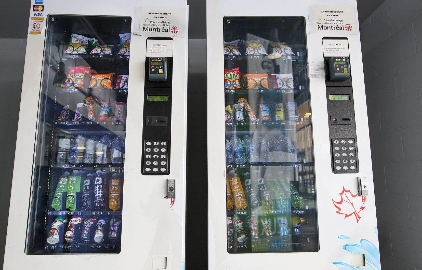 Les machines distributrices du Centre sportif de Notre-Dame-de-Grâce ne proposent plus de boissons gazeuses, mais d'autres produits présentant des taux de sucre très élevés sont encore offerts.