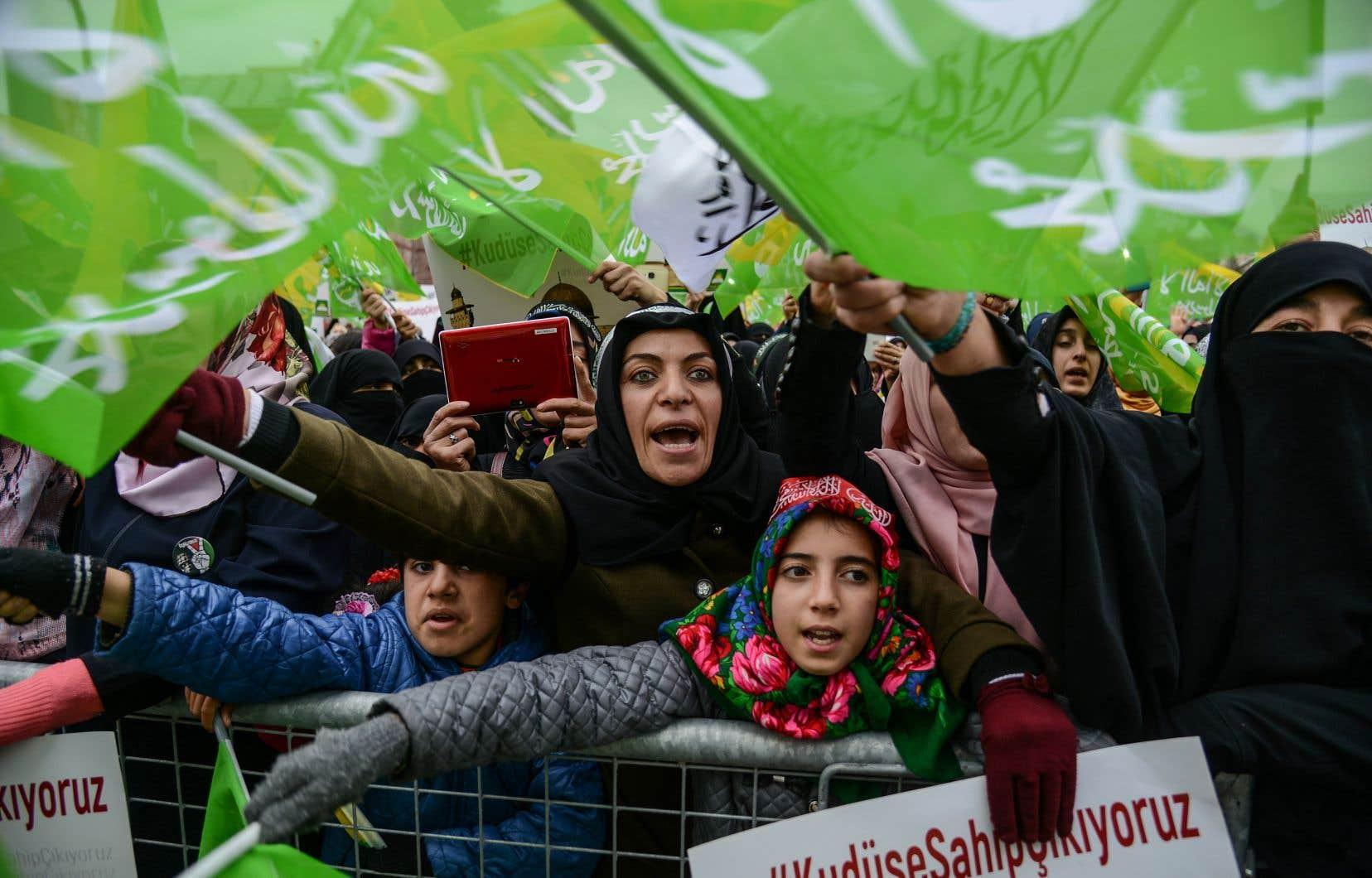 Des manifestants pro-palestiniens se sont rassemblés contre la décision du président américain Donald Trump, de reconnaîtreJérusalem comme capitale d'Israël.