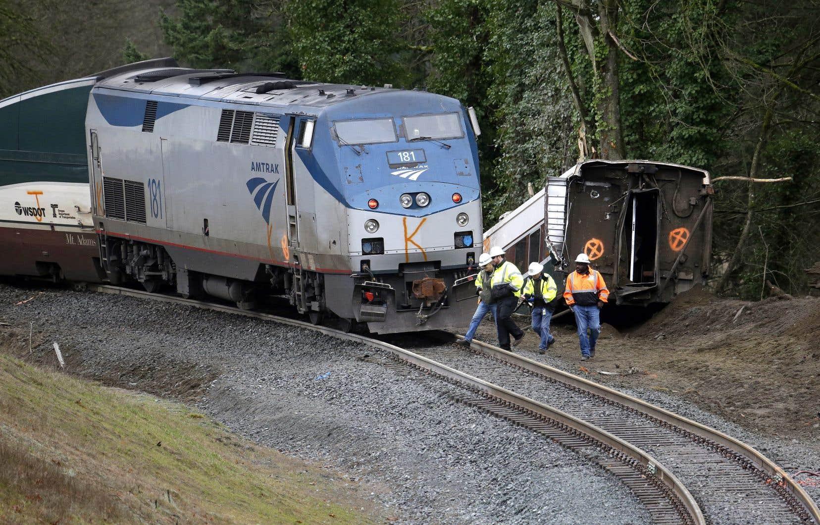 Le train 501, qui assurait la liaison entre Seattle et Portland (Oregon), a déraillé juste avant de passer sur un pont ferroviaire, au nord d'Olympia, la capitale de l'État de Washington.