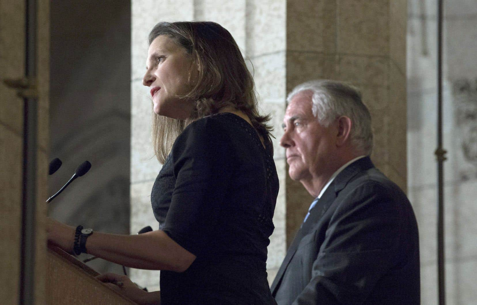 La ministre canadienne des Affaires étrangères, Chrystia Freeland, aux côtés de son homologue américain, Rex Tillerson.