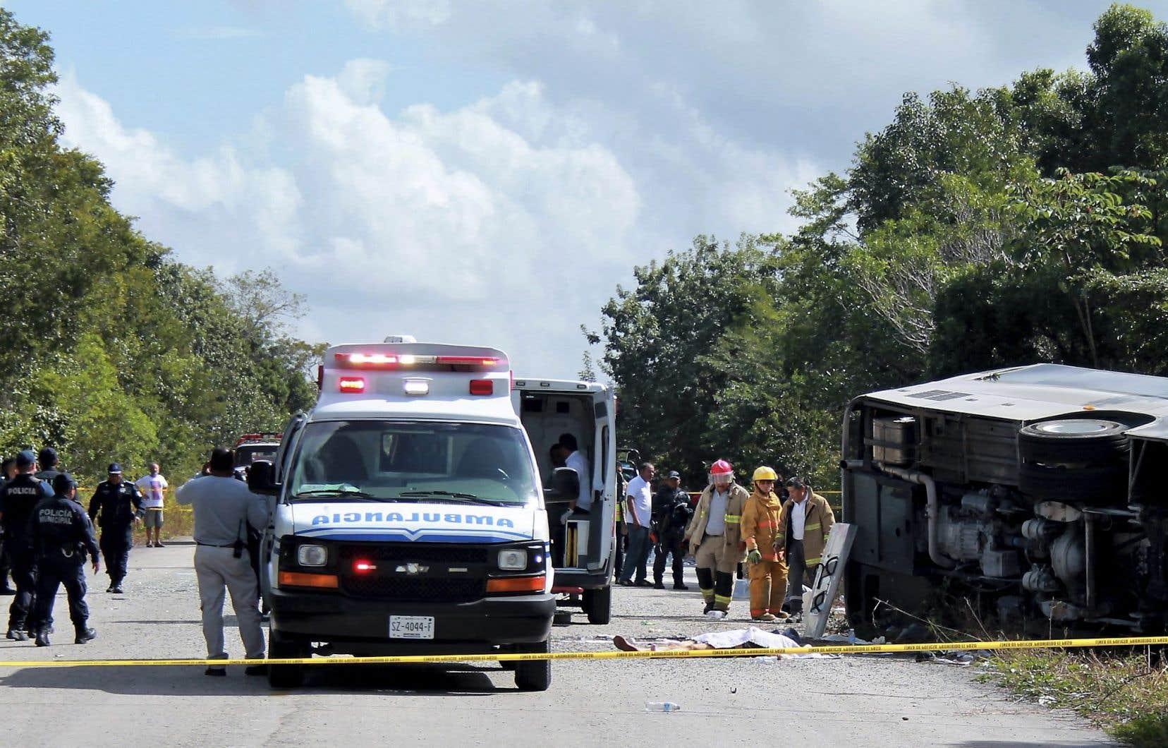 L'autocar se rendait aux ruines de Chacchoben, à environ 175 kilomètres au sud de Tulum, au moment de l'accident.