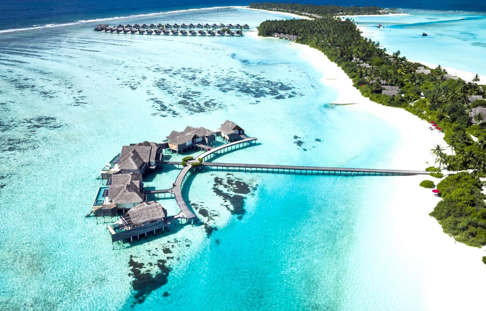 Charmant Ciel, Ce Cyan, Autour De Niyama Private Islands !