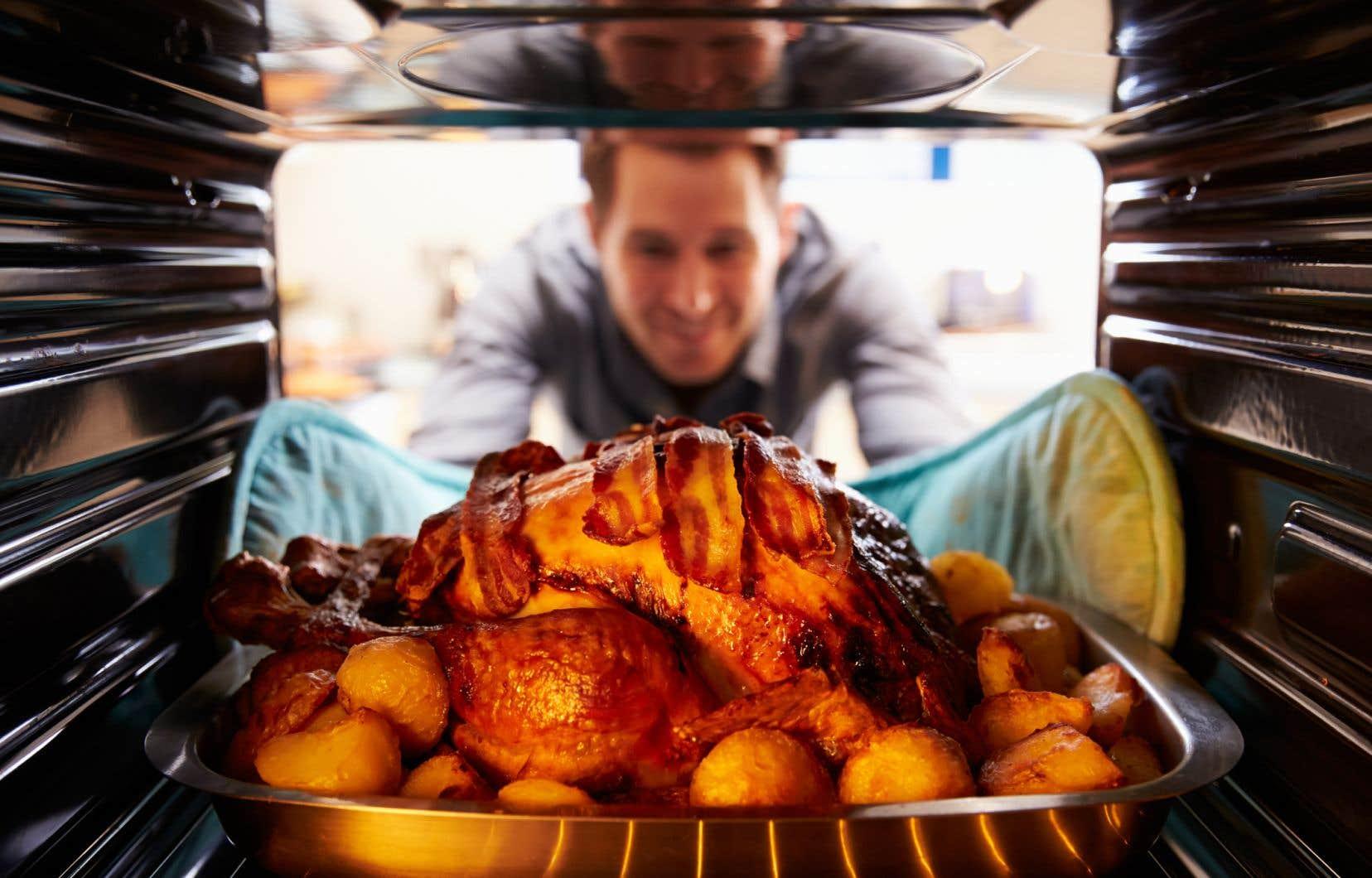 Pour Noël, tout le monde peut être rassuré, car la dinde est riche en protéines, mais elle contient proportionnellement peu d'acides aminés à chaîne ramifiée.