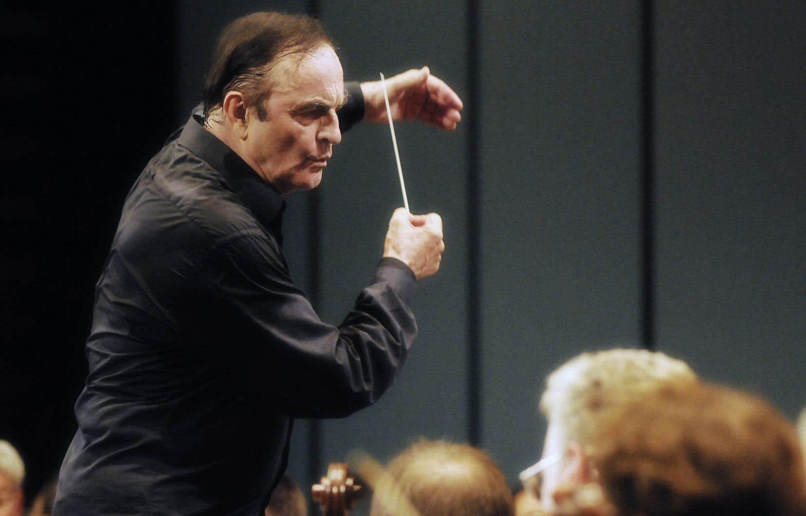 Trois chanteuses d'opéra et une musicienne soutiennent que Charles Dutoit les a agressées sexuellement de 1985 à 2010.