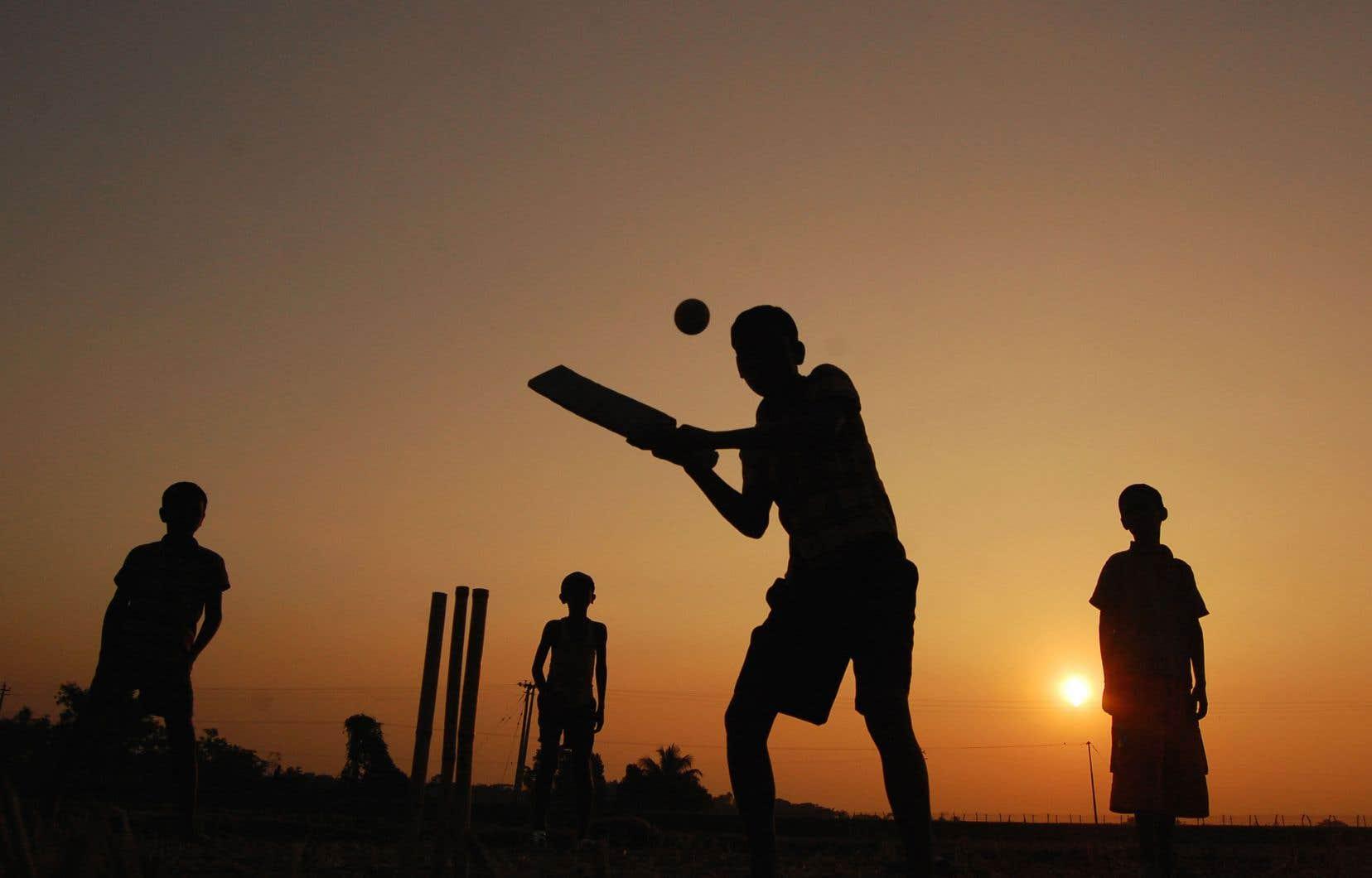 Le cricket est au centre de la fascinante histoire familiale esquissée par l'auteur indien Aravind Adiga.