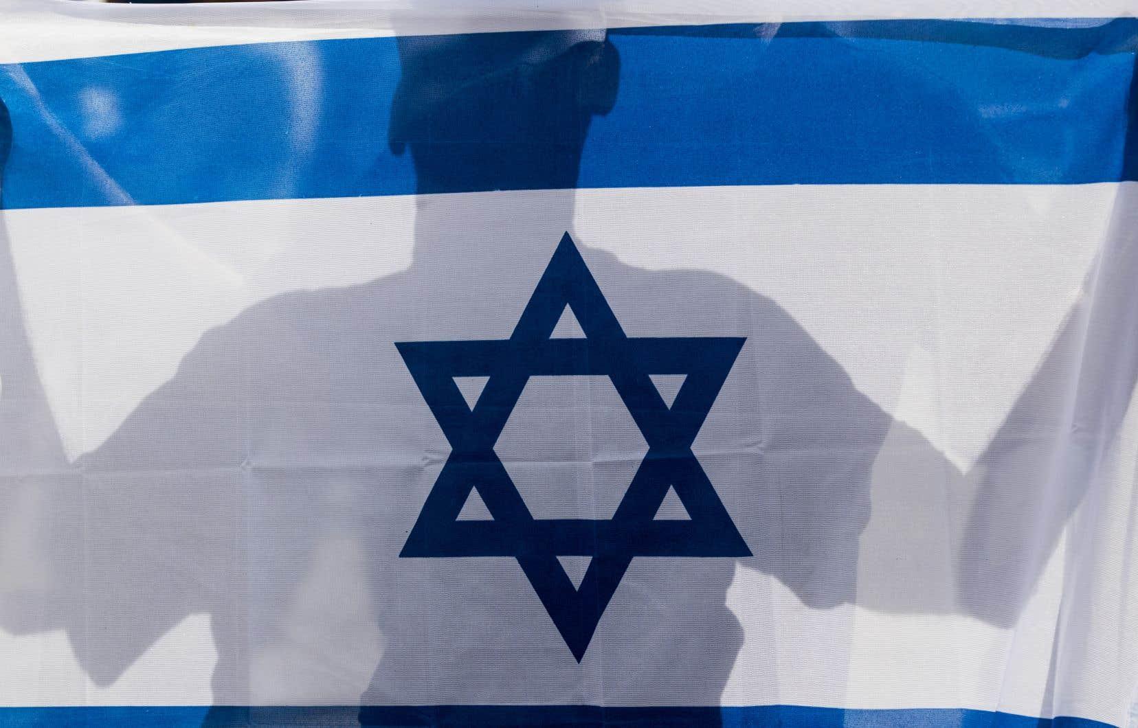 Au risque d'en surprendre certains, il est difficile de convaincre les Israéliens d'accepter un compromis territorial alors qu'ils sont entourés de groupes armés qui réclament leur destruction, estime l'auteur.