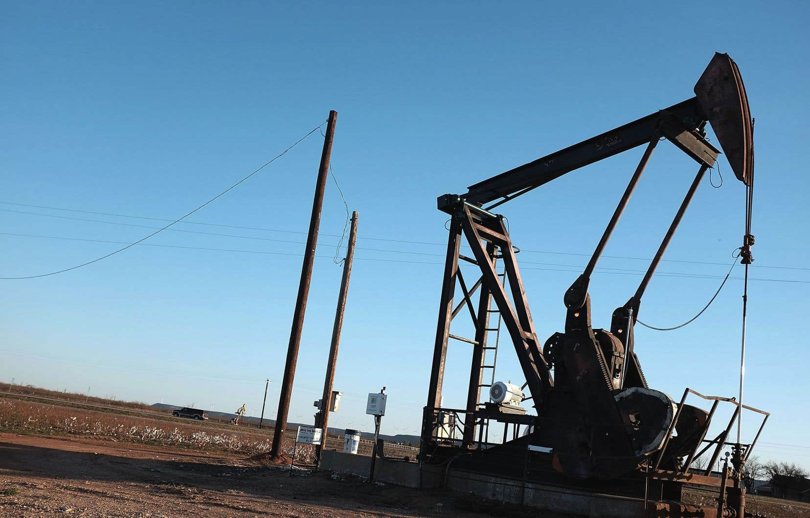 Les prix ont été poussés à la hausse vendredi au lendemain d'un rapport du département américain de l'Énergie faisant état d'une baisse des stocks de brut aux États-Unis.