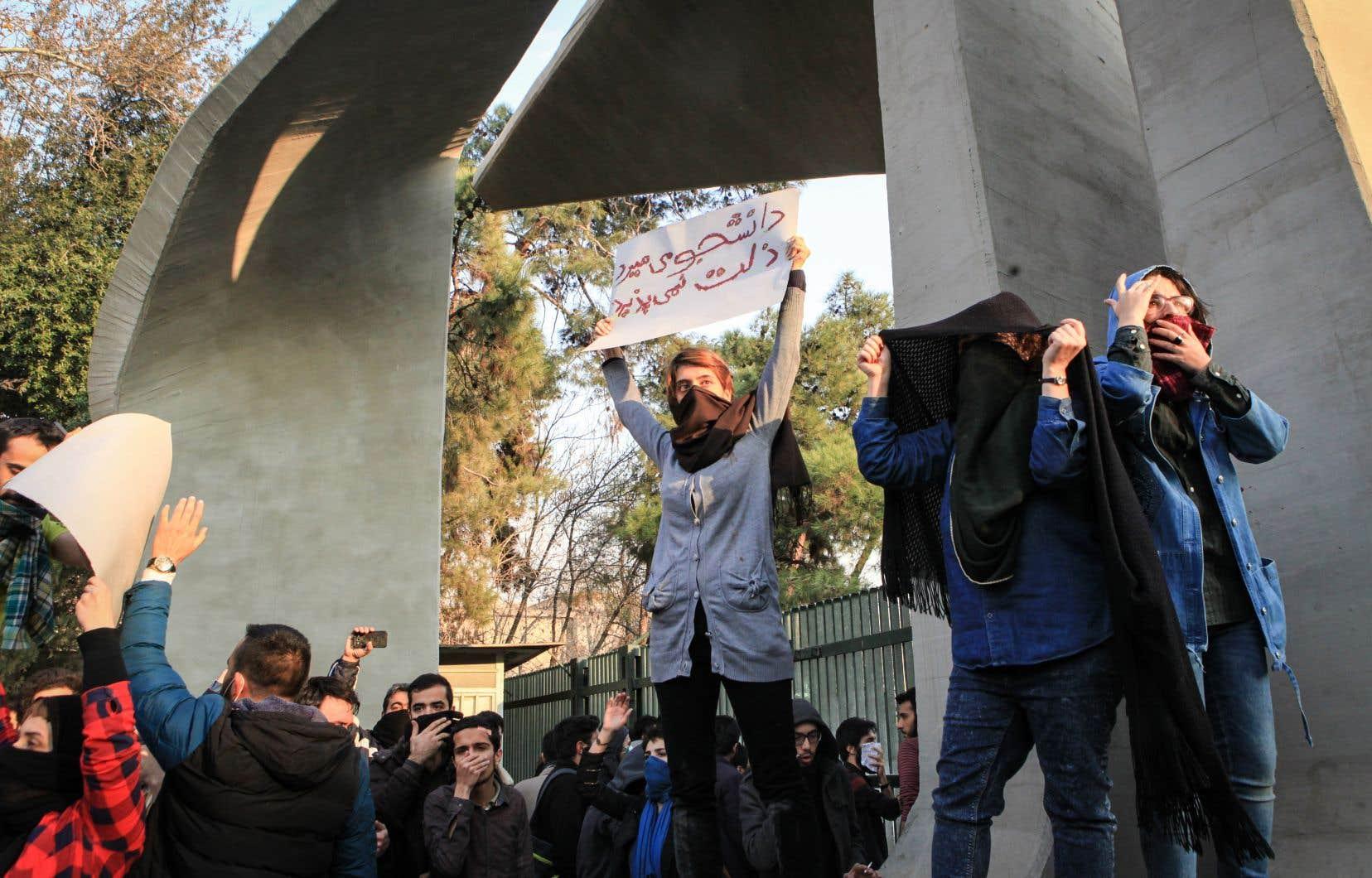 Certains experts doutent que les manifestations puissent être une menace sérieuse pour le régime, estimant qu'elles ne semblent pas obéir à une organisation claire.