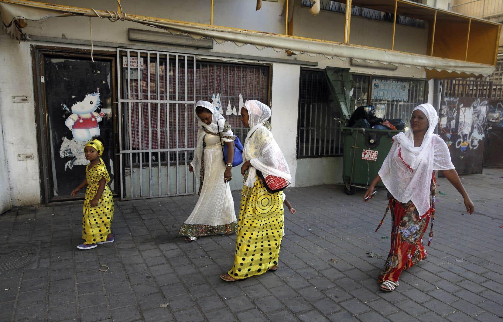 Selon les chiffres du ministère de l'Intérieur, 38 000 personnes sont concernées, en majorité des Érythréens et des Soudanais.