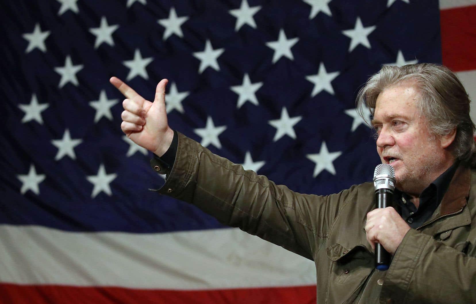 Steve Bannon lors d'un rassemblement républicain en décembre 2017. Selon lui, ainsi cité dans le livre à paraître de Michael Wolff, la rencontre de proches de Donald Trump avec une avocate russe pendant la campagne présidentielle relevait de la «trahison».