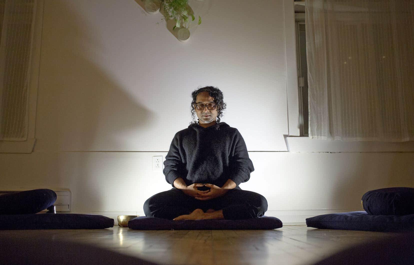 Dexter Xurukulasuriya a conçu sa classe de méditation pour les «acteurs de changements», mais tout le monde y est bienvenu.
