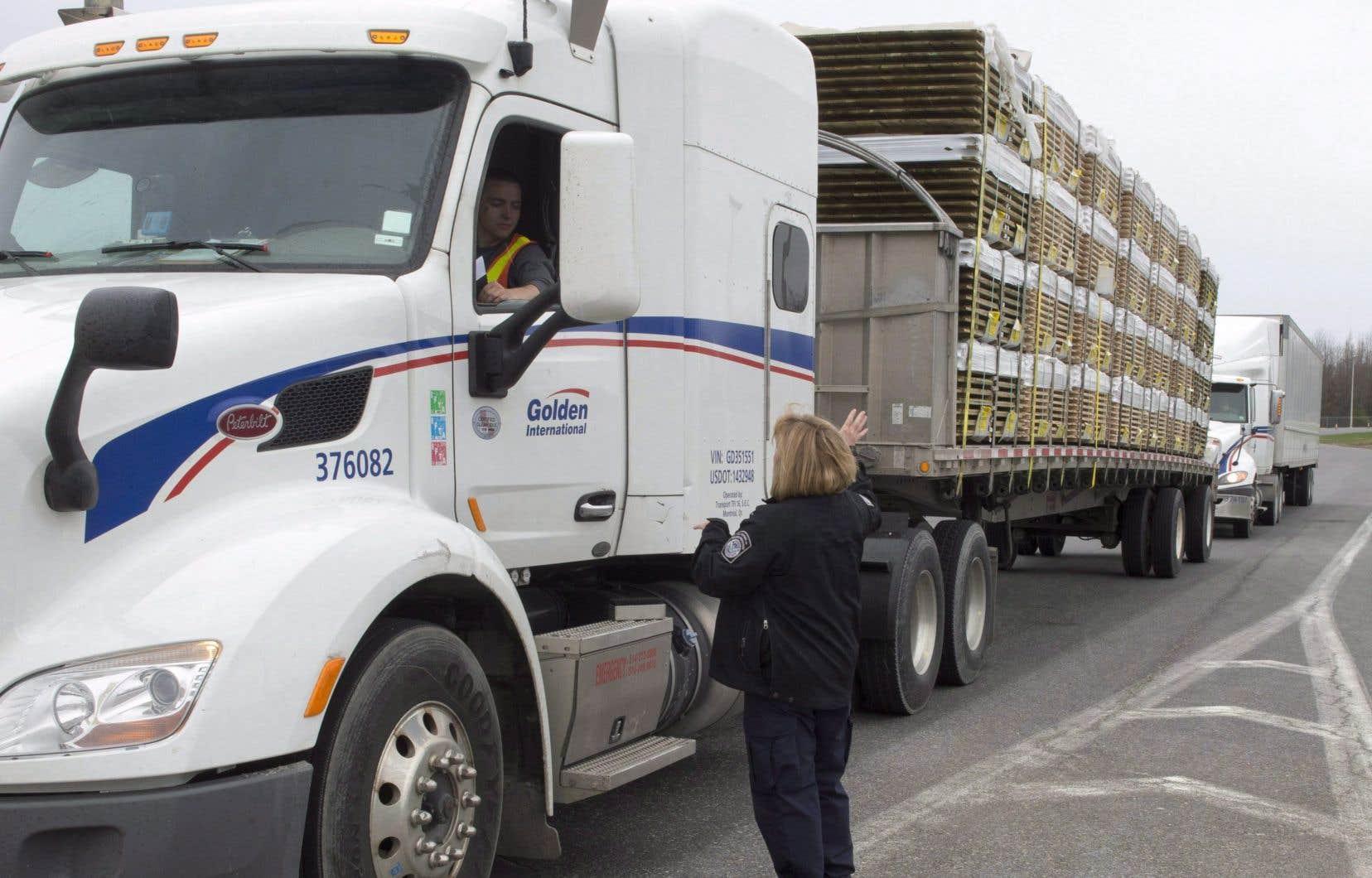 Selon le ministre de la Sécurité publique, Ralph Goodale, le Canada est le principal marché d'exportation de 35 États américains, un commerce dont dépendent neuf millions d'emplois un peu partout aux États-Unis.