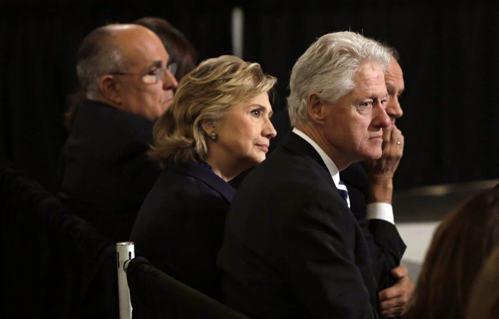 <p>L'ex-secrétaire d'État Hillary Clinton et son mari, Bill Clinton</p>