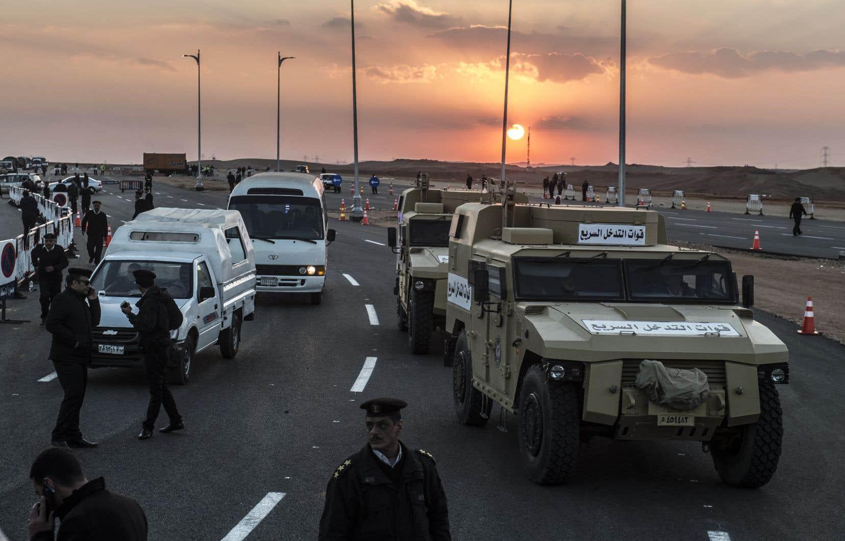 L'instauration de l'état d'urgence en avril faisait suite à deux attentats meurtriers dans des églises coptes, à Tanta et à Alexandrie.