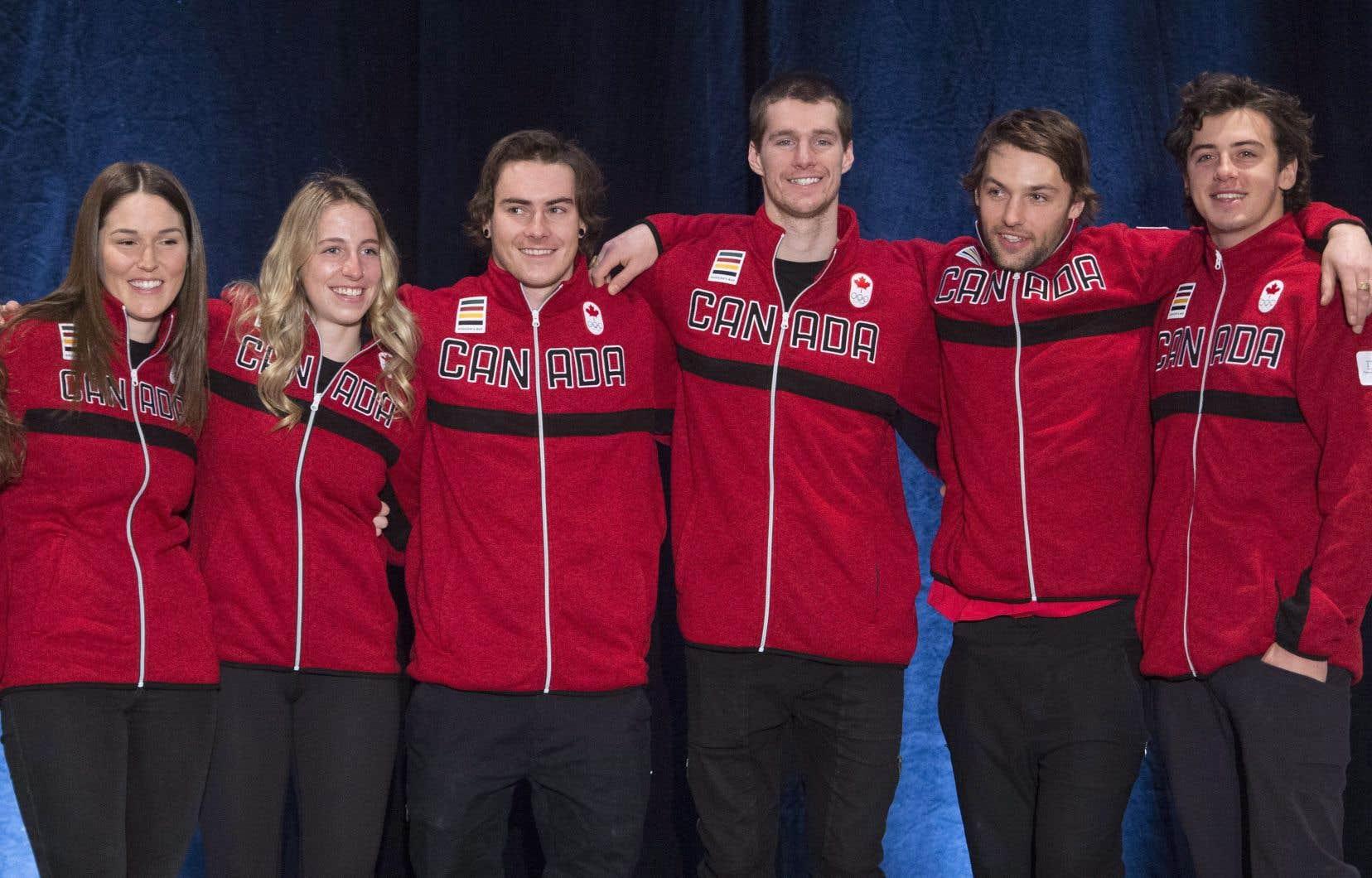Les athlètes qui représenteront le Canada en slopestyle et en big air aux Jeux olympiques de Pyeongchang en février prochain.