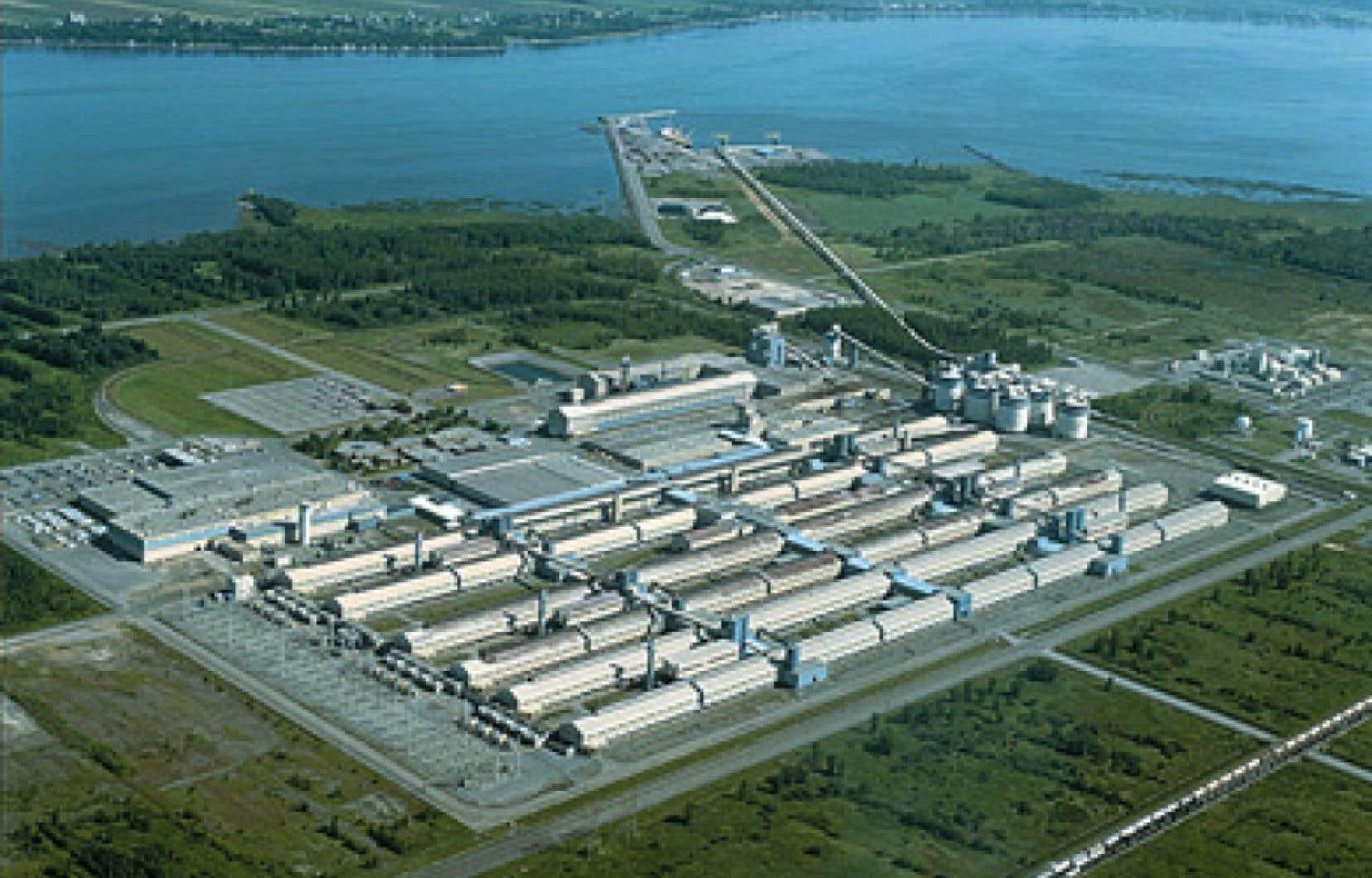 La direction de l'Aluminerie de Bécancour a fait savoir que l'usine continuera d'être exploitée, mais par des cadres.