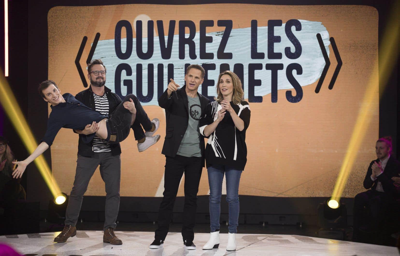 Pour les prestations comiques, François Morency, en compagnie de Bianca Gervais, pourra compter sur plusieurs collaborateurs, parmi lesquels Pier-Luc Funk et Rémi-Pierre Paquin.