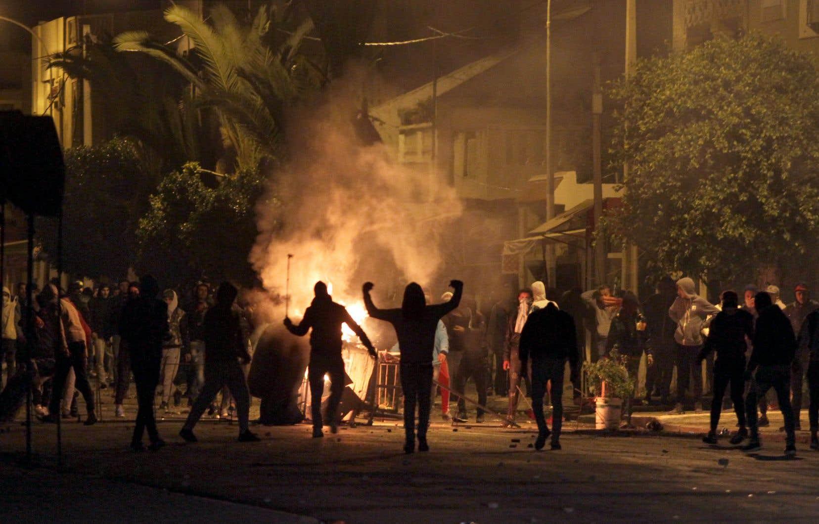 151 personnes impliquées dans des actes de violence ont été arrêtées jeudi, portant le total des arrestations à 778 depuis lundi.<br />
