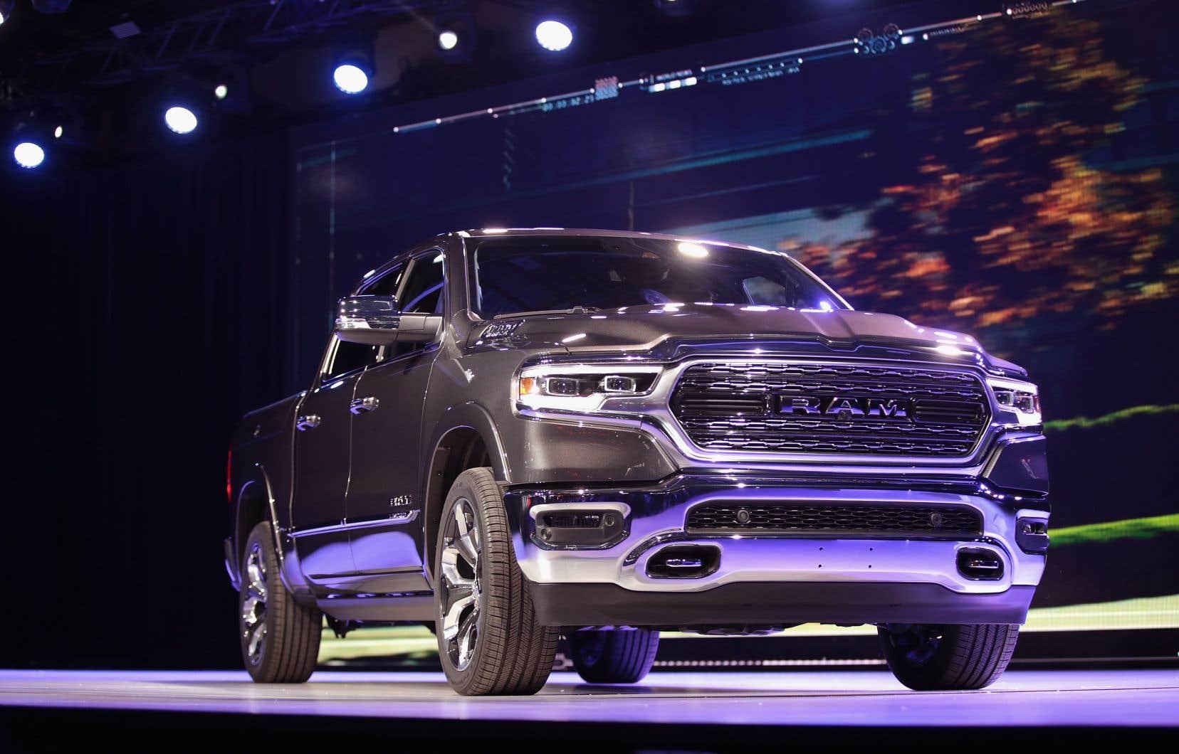 Les véhicules «musclés» tiennent le haut de l'affiche au plus influent salon automobile du monde.