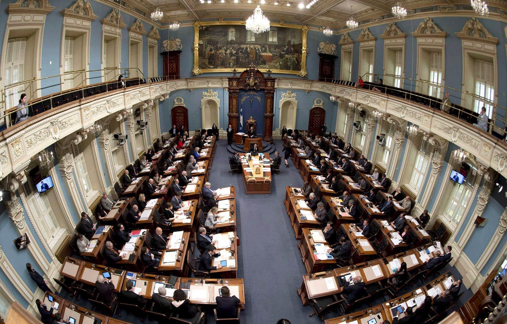 Les déclarations du ministre Leitão faites à l'extérieur de l'Assemblée nationale, le 21novembre, ainsi que le 1erdécembre et le 22décembre 2016, étaient recevables en preuve.