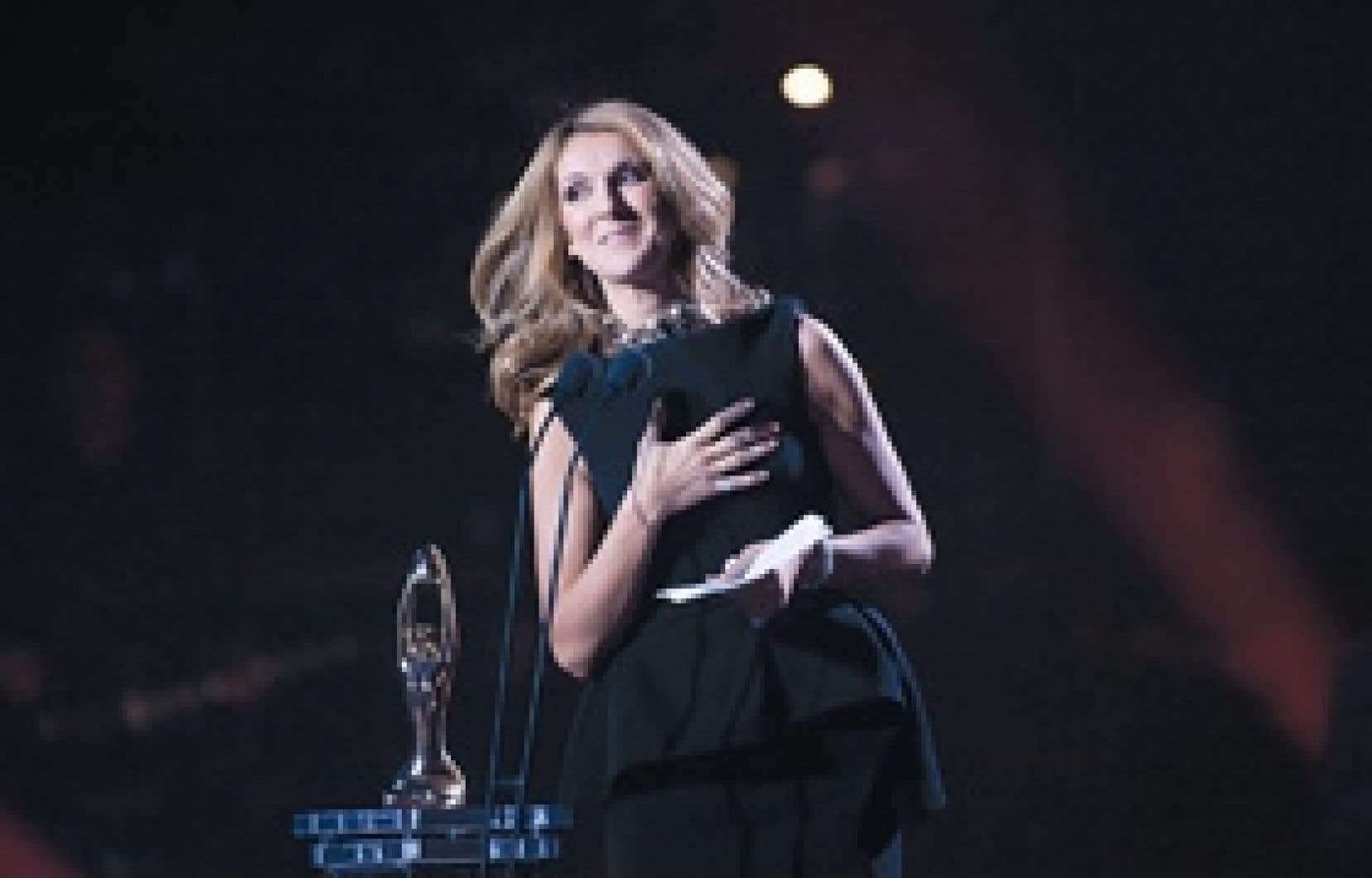 Céline Dion sur la scène du Centre Bell après l'hommage qui lui a été rendu hier soir au 30e gala de l'ADISQ.