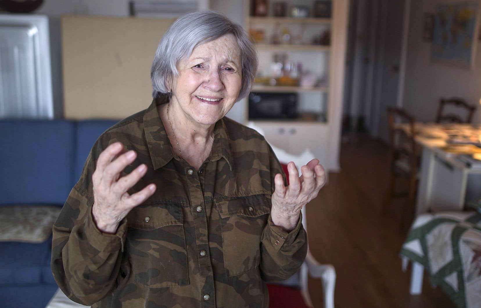 La solitude serait aussi dommageable que la cigarette ou la sédentarité. Ci-dessus, Henriette Joncas, 85ans, vit dans une résidence pour personnes âgées au centre-ville de Montréal.