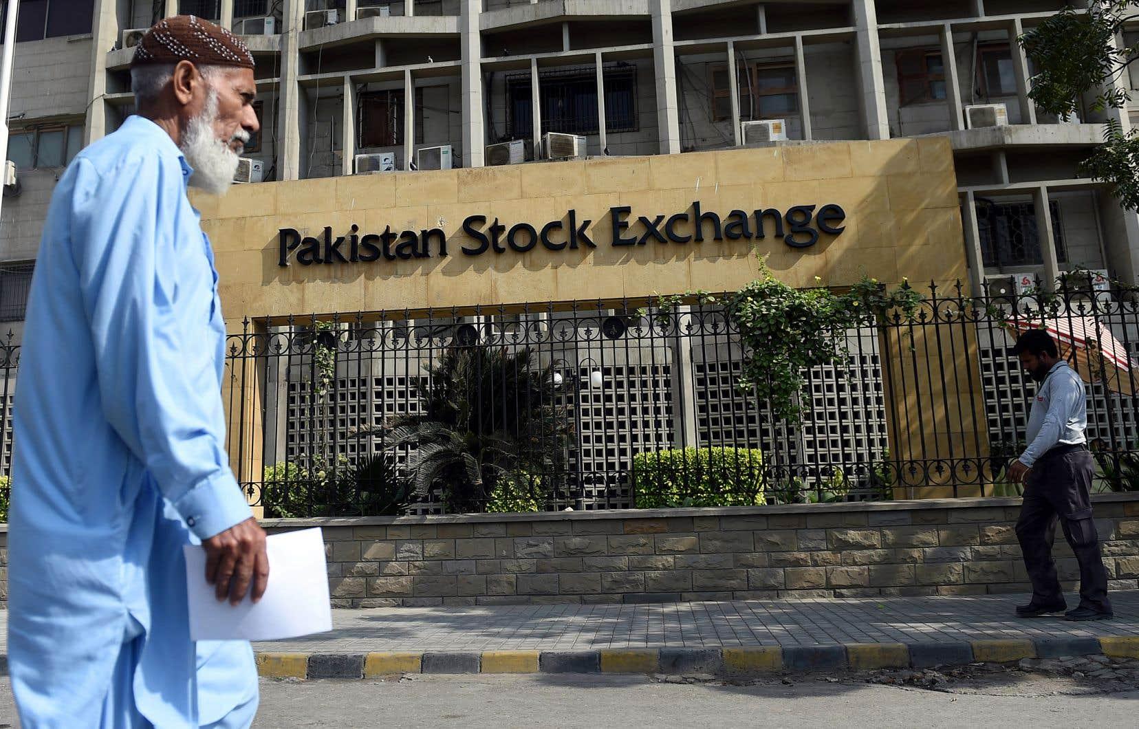 L'immeuble de la Bourse du Pakistan, à Karachi