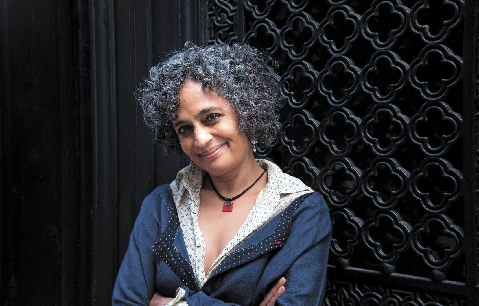 Arundhati Roy revient à la fiction après 20 années consacrées au militantisme et à la publication de plusieurs essais engagés.